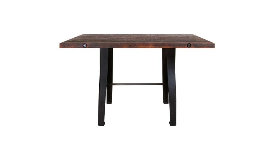 Стол GabrielleОбеденные столы<br>Обеденный стол Gabrielle можно назвать чуть романтичным, немного винтажным, очень естественным. Дизайнеры студии Gramercy умело работают с историческими стилями, не забывая о модных веяниях. Столешница из элитных пород дерева обработана так филигранно, что понравится одновременно всем: и любителям экологичности в обстановке, и поклонникам современного лофта, и фанатам изысканного винтажа.<br><br>kit: None<br>gender: None