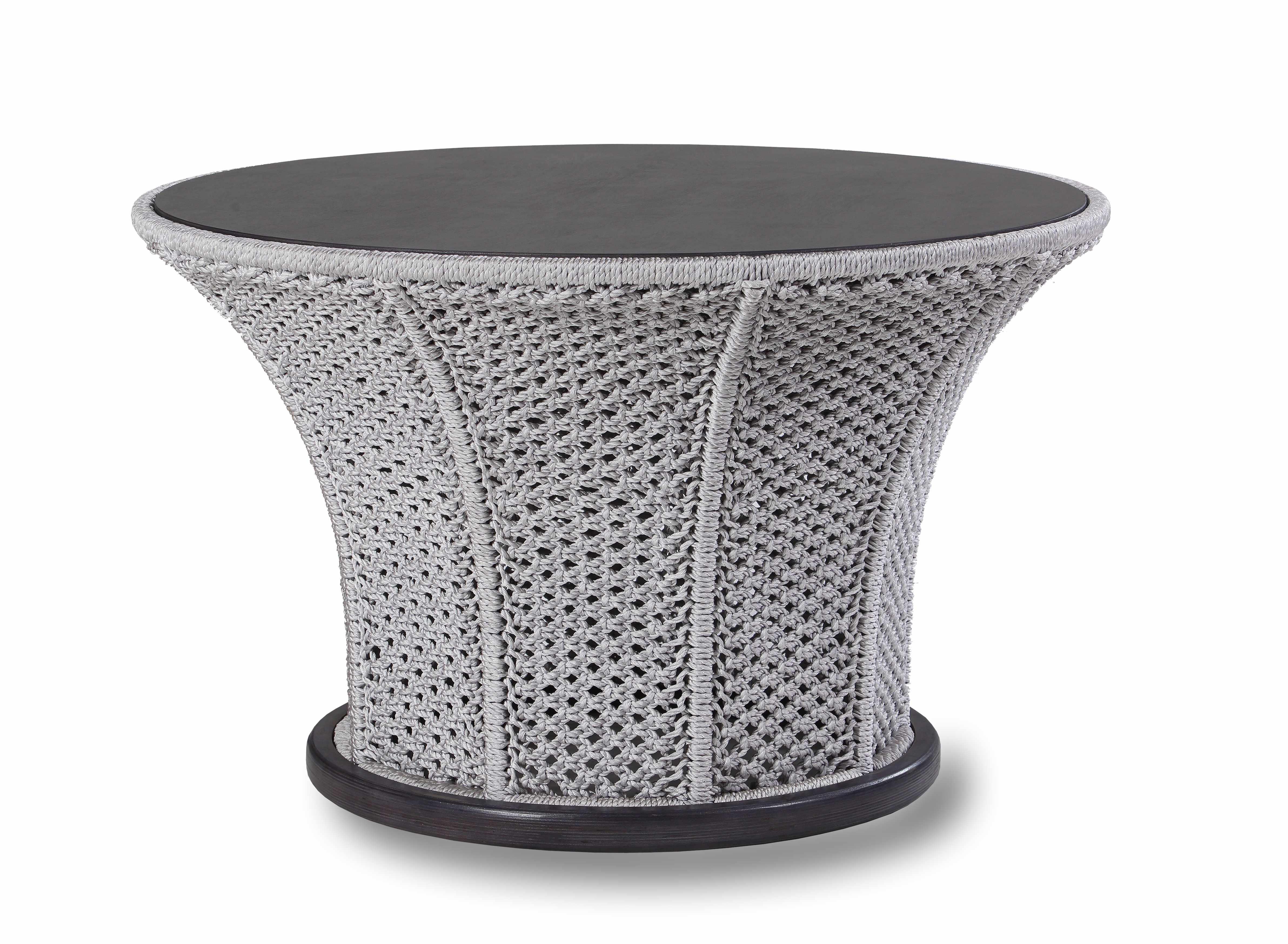 Стол АкцентСтолы и столики для сада<br>Металлический каркас, ручное плетение из полиамидной нити, деревянный обклад.<br><br>Material: Текстиль<br>Высота см: 64