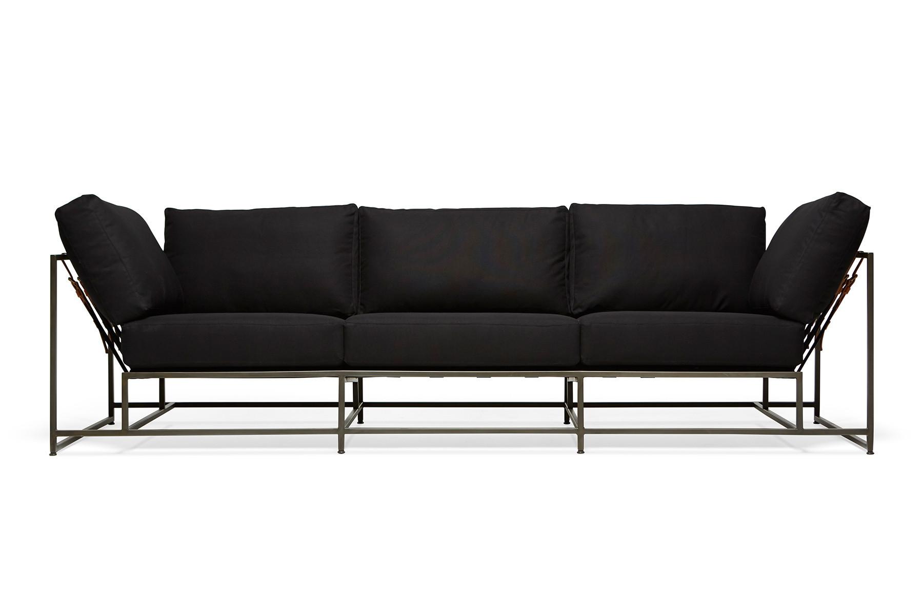 Трехместный диван КомфортДиваны четырехместные и более<br>&amp;lt;div&amp;gt;Комфорт и качество – это главные критерии при изготовлении мебели фабрики &amp;quot;The_Sofa&amp;quot;. Диваны и кресла линейки &amp;quot;Комфорт&amp;quot; удобны и просты в эксплуатации, изготовлены из натуральных материалов. Исключительно ручная работа на всех этапах производства. Простота конструкции дивана, выполненного в стиле лофт, делает его не только привлекательным на вид, но и очень надежным, исключает неудобства при уборке в помещении, и позволяет с легкостью удалять скапливающуюся под ним пыль. Поддерживающие ремни выполнены из высококачественной, износостойкой, ременной, натуральной кожи. Наши диваны и кресла существенно легки, по сравнению с любыми другими диванами и креслами, такой же посадки (двух, трёх местными), что позволяет без труда перемещать их, в случае необходимости.&amp;amp;nbsp;&amp;lt;/div&amp;gt;&amp;lt;div&amp;gt;&amp;lt;br&amp;gt;&amp;lt;/div&amp;gt;&amp;lt;div&amp;gt;Металлическая рама окрашивается порошковым составом и имеет матовое покрытие. Обволакивающая спинка для дополнительной поддержки спины. Обивка изготовлена из высокопрочного и износостойкого материала. Каждый диван проходит несколько ступеней проверки качества, перед отправкой покупателю. Современный дизайн и не обычная конструкция, подчеркнет ваш изысканный вкус и чувство стиля, а возможность применять абсолютно любые цвета обивки, разнообразный материал обивки и возможность изменения цвета каркаса, позволит гармонично вписать продукцию &amp;quot;The_Sofa&amp;quot; в абсолютно любой интерьер.&amp;amp;nbsp;&amp;lt;/div&amp;gt;&amp;lt;div&amp;gt;&amp;lt;br&amp;gt;&amp;lt;/div&amp;gt;&amp;lt;div&amp;gt;В комплект входят 8 подушек, металлокаркас, 20 ремней.&amp;lt;/div&amp;gt;<br><br>Material: Текстиль<br>Ширина см: 263<br>Высота см: 63<br>Глубина см: 90