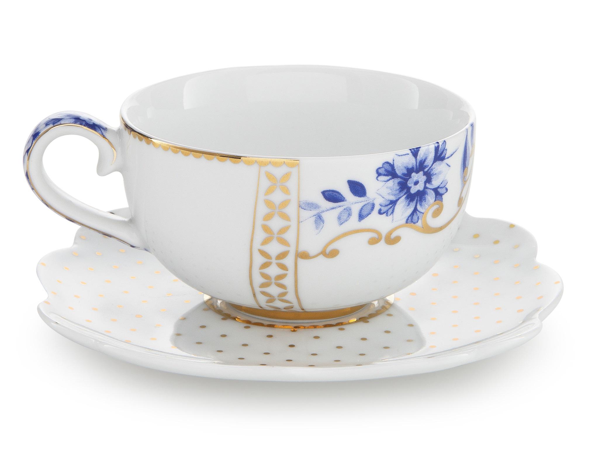 Набор маленьких чашек с блюдцами Royal White (2шт)Чайные пары, чашки и кружки<br>Объём 125 мл. Не использовать в микроволновой печи. Не рекомендуется мыть в посудомоечной машине.<br><br>Material: Фарфор<br>Width см: None<br>Depth см: None<br>Height см: 4.5<br>Diameter см: 7,5