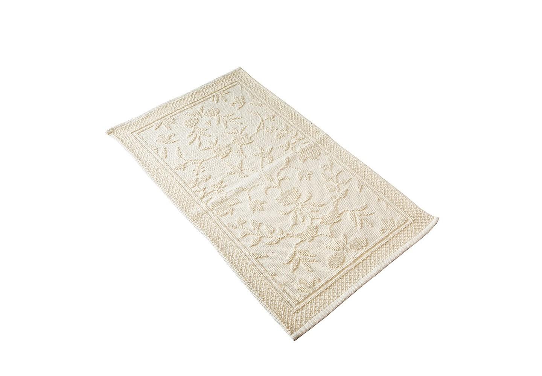 Коврик КарменПрямоугольные ковры<br>Хлопковый коврик увеличенного размера (60*90см) ванильного цвета для ванной или спальни. Рельефная выработка обратной стороны изделия снижает скольжение.<br><br>Material: Хлопок<br>Ширина см: 60<br>Глубина см: 90