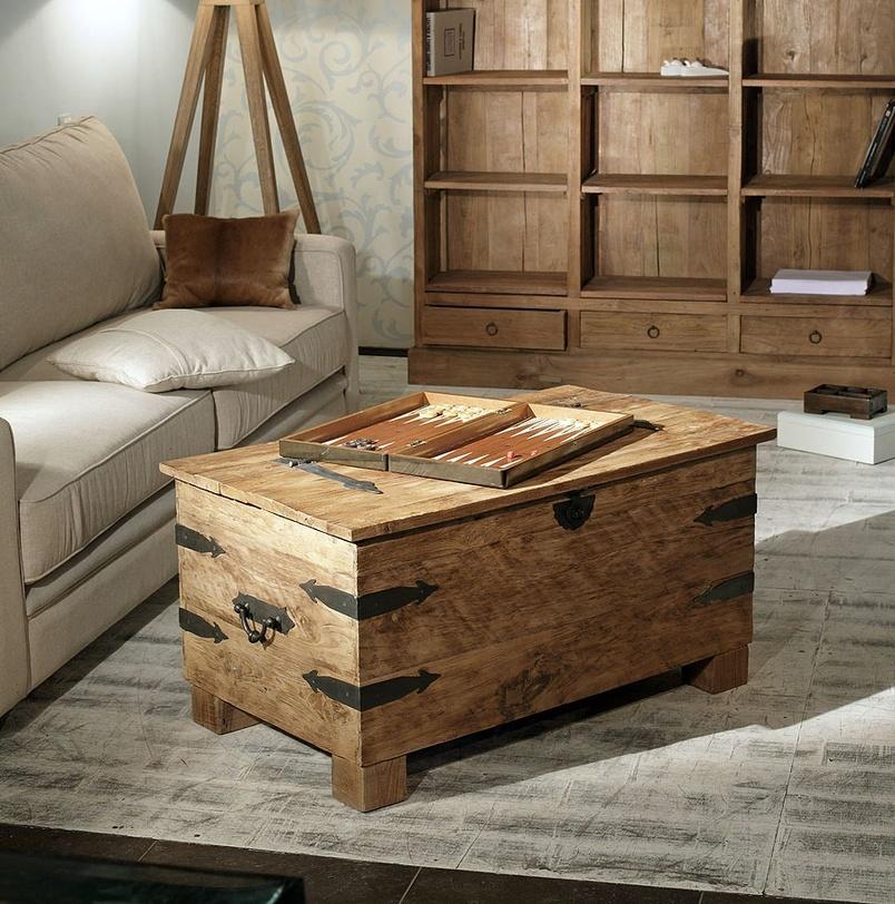 Сундук  Banga 100Старинные сундуки<br>Этот небольшой сундук из тикового дерева послужит в качестве столика или скамьи в квартире или в офисе в стиле лофт, на балконе или террасе в загородном доме. На боковинах и крышке сундук декорирован резными элементами из кованного металла.<br><br>Material: Тик<br>Length см: None<br>Width см: 100.0<br>Depth см: 60.0<br>Height см: 50.0<br>Diameter см: None