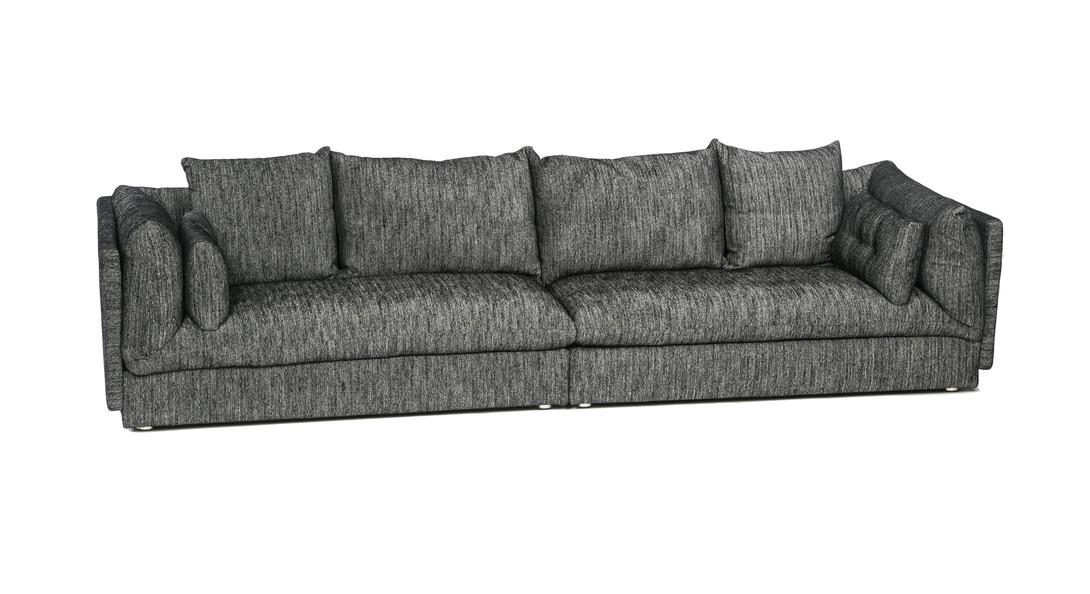 ДиванДиваны четырехместные и более<br>Этот просторный диван станет украшением практически любого современного интерьера. Модель от бренда M-Style выполнена в классической форме. Силуэт лаконичный, даже в некоторой степени аскетичный. Но мягкие декоративные подушки разных размеров добавляют образу эстетичности и благородства. &amp;quot;Мерцающий&amp;quot; серый цвет обивки позволяет сочетать предмет со многими вариантами отделки помещения.&amp;amp;nbsp;<br><br>Material: Текстиль<br>Ширина см: 320<br>Высота см: 75<br>Глубина см: 100