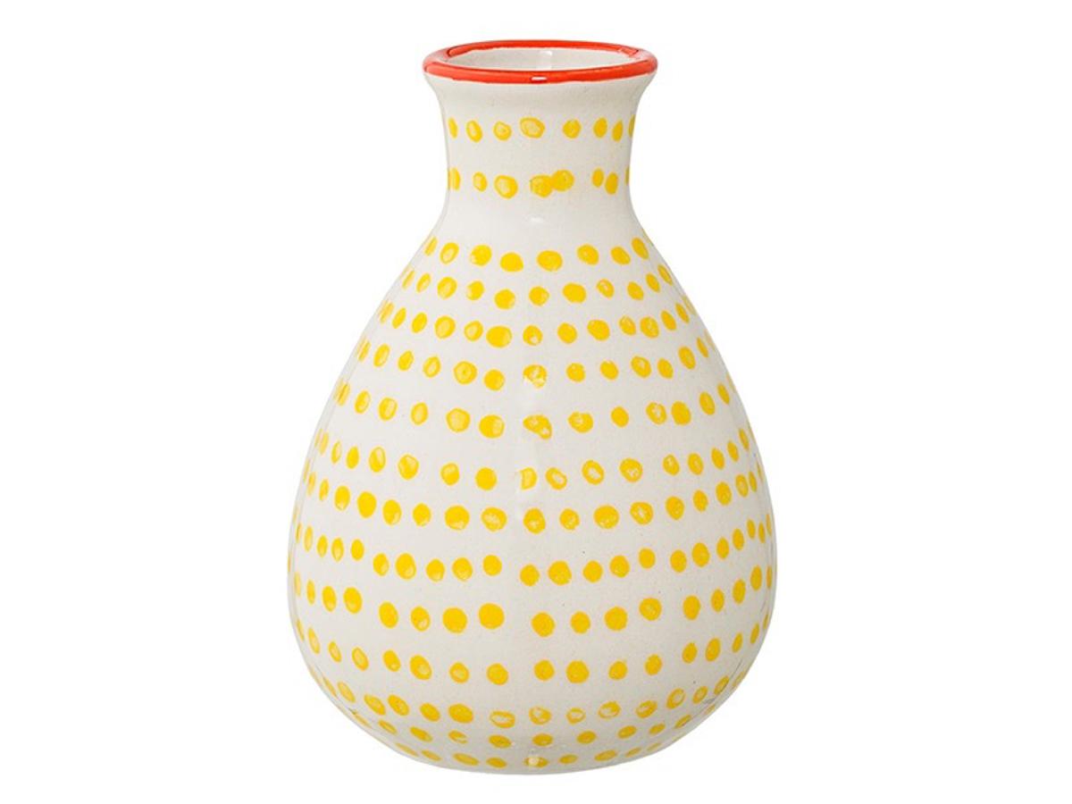 Ваза JarВазы<br>Красивая ваза Bloomingville небольших размеров с оригинальным рельефом, сделанная из керамики, великолепно впишется в современный интерьер. Неброский цвет сосуда и изящная форма создают уют, а поставленные в вазу цветы или засушенные осенние листья сделают обстановку еще гармоничнее. Такой подарок придется по душе любой женщине, ценящей эстетику и комфорт в своем доме.<br><br>Material: Керамика<br>Высота см: 11