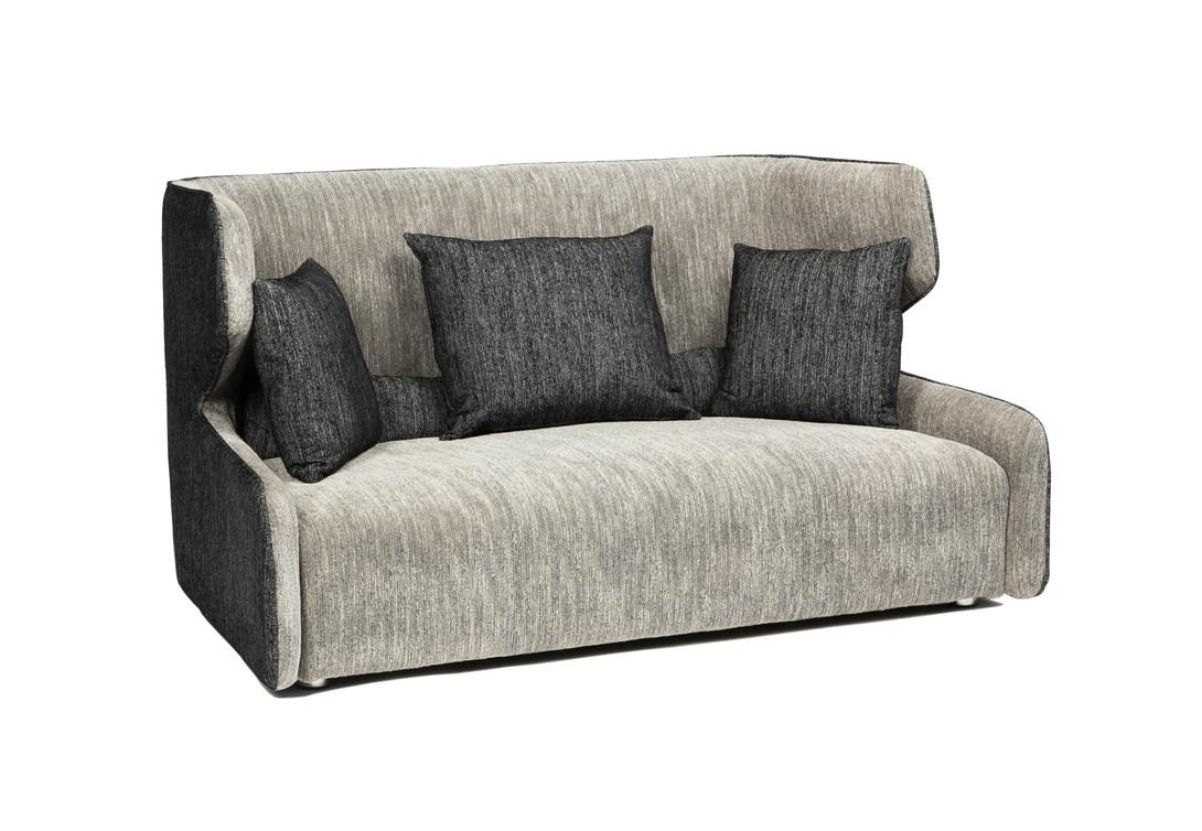 Диван DOLAMДвухместные диваны<br>Забавный двухместный диванчик оригинального дизайна, где спинка имеет мягкие «уши», а подлокотники едва намечены. Сочетание светло-серого цвета с тёмно-серым, присутствующее в обивке дивана, делает его ещё более выразительным, а три подушки под спину – ещё более комфортным.<br><br>Material: Текстиль<br>Length см: None<br>Width см: 170<br>Depth см: 102<br>Height см: 91<br>Diameter см: None