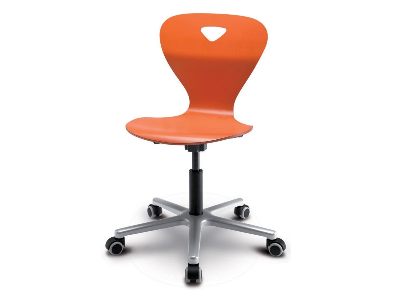 Стул WoodyДетские стулья<br>Для детей ростом от 146 до 190 см. Высота сиденья регулируется в диапазоне от 40 до 53 см.<br><br>Material: Дерево<br>Ширина см: 63<br>Высота см: 53<br>Глубина см: 63