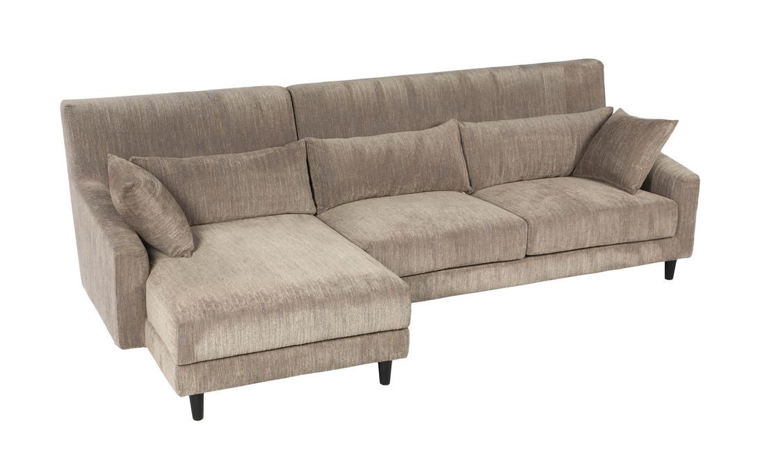 Диван DOLAMУгловые диваны<br>Угловой диван в классическом современном стиле выглядит очень комфортно благодаря мягким спинке и сиденью, а также подушечкам разной формы - под голову и поясницу. Текстильная обивка тёплого бежевого цвета навевает чувство уюта и спокойствия. Деревянные точёные ножки чёрного цвета, приподнимая диван, визуально делают его более лёгким.&amp;lt;div&amp;gt;Доступен серый цвет и бежевый&amp;lt;br&amp;gt;&amp;lt;/div&amp;gt;<br><br>Material: Текстиль<br>Length см: None<br>Width см: 270<br>Depth см: 145<br>Height см: 93<br>Diameter см: None