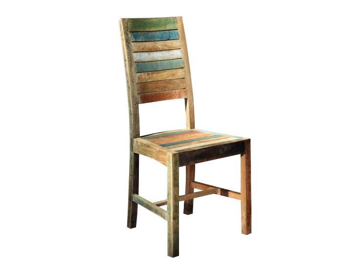 """Стул """"Claudia""""Обеденные стулья<br>Стул имеет жесткую седельную часть и высокую спинку прямоугольной формы. Сиденье и спинка набраны из досочек разного цвета и тона. Для прочности конструкции прямоугольные ножки по бокам соединены деревянными планками.<br><br>Мебельная компания Teak House выпускает стильную, винтажную мебель из массива тика. Она старается сохранить неповторимую фактуру, красоту и жизненную силу натуральной поверхности дерева, подчеркнуть ее удивительный и уникальный рисунок, созданный самой природой.<br><br>Material: Тик<br>Ширина см: 48<br>Высота см: 105<br>Глубина см: 45"""