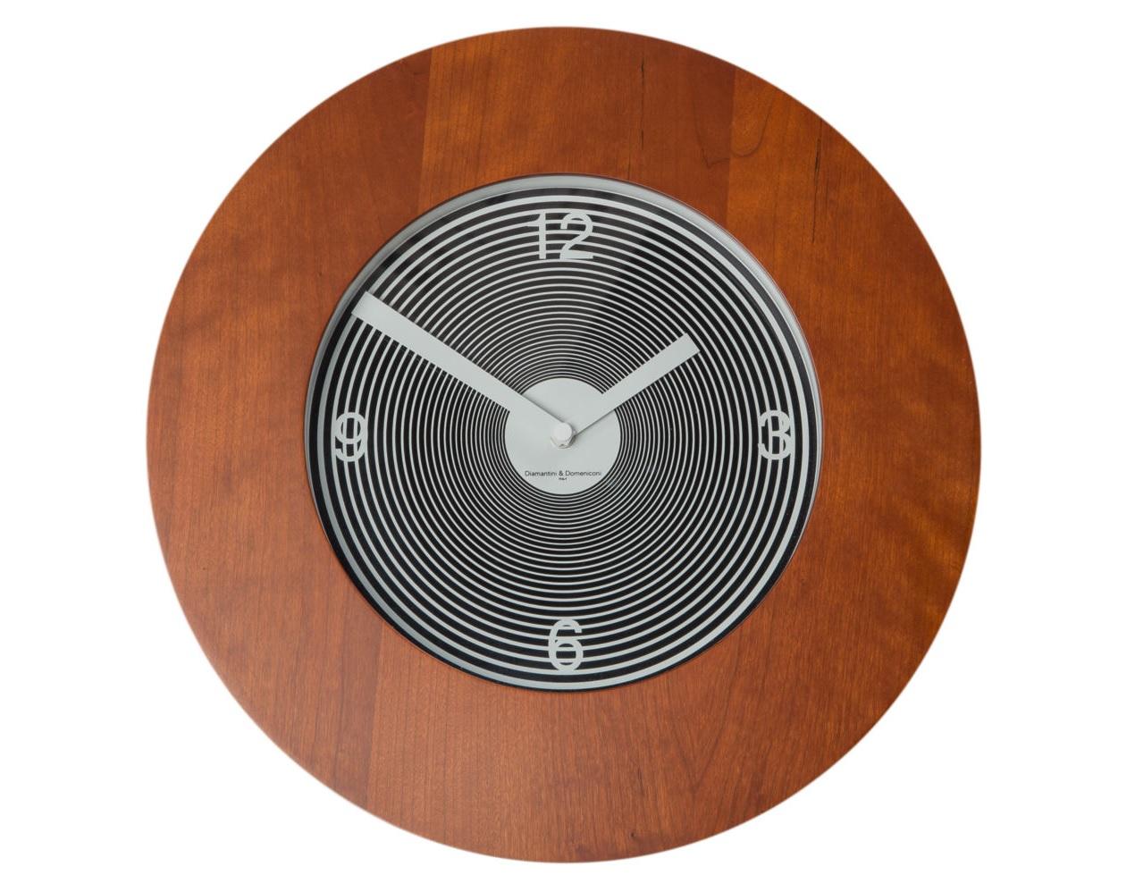Часы настенные TargetНастенные часы<br>Кварцевый механизм<br><br>Material: Дерево<br>Глубина см: 3
