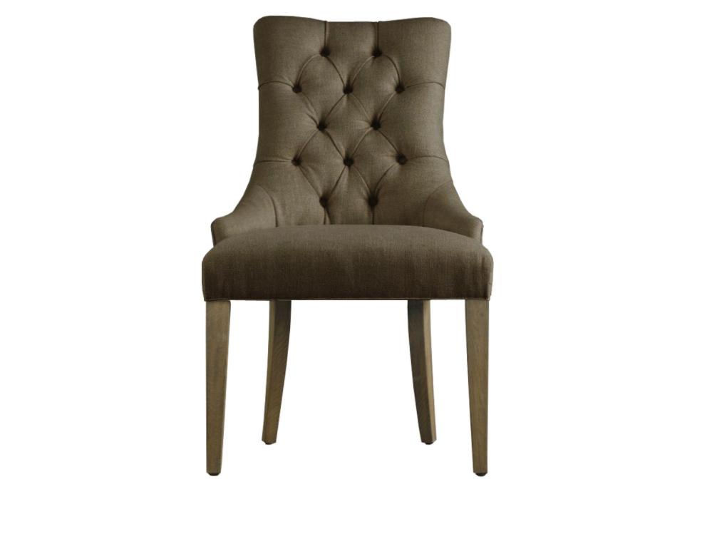 Стул MARTINПолукресла<br>&amp;quot;Martin&amp;quot; ? невероятно изысканный стул, чье оформление хранит в себе подлинную роскошь английского стиля. Спинка, декорированная кнопками, плавно переходит в сиденье, располагающееся на утонченных ножках. Льняная обивка бежевого цвета делает вид стула изящным.<br><br>Material: Лен<br>Ширина см: 61<br>Высота см: 98<br>Глубина см: 69
