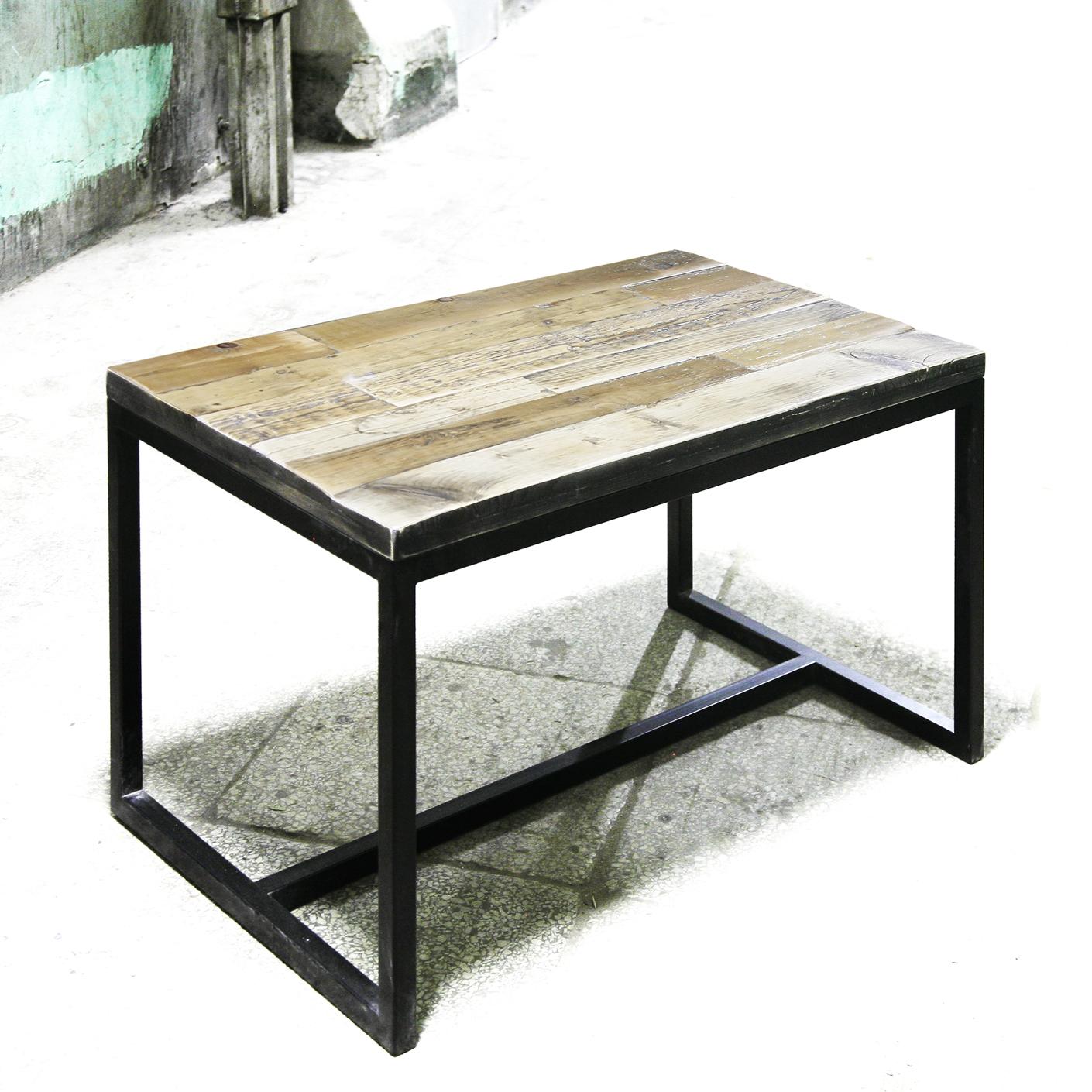 Стол обеденный MetalframeОбеденные столы<br>Материал: березовая фанера / старая доска / стальная труба 3 х 3 см. На основание крепится мебельный войлок.&amp;lt;div&amp;gt;&amp;lt;br&amp;gt;&amp;lt;/div&amp;gt;&amp;lt;div&amp;gt;Возможно изготовление любых размеров, стоимость необходимо уточнять.&amp;lt;/div&amp;gt;&amp;lt;div&amp;gt;Ширина: 60-300 см, глубина: 60-100 см, высота: 76 см.&amp;lt;/div&amp;gt;<br><br>Material: Фанера<br>Ширина см: 60<br>Высота см: 76<br>Глубина см: 60