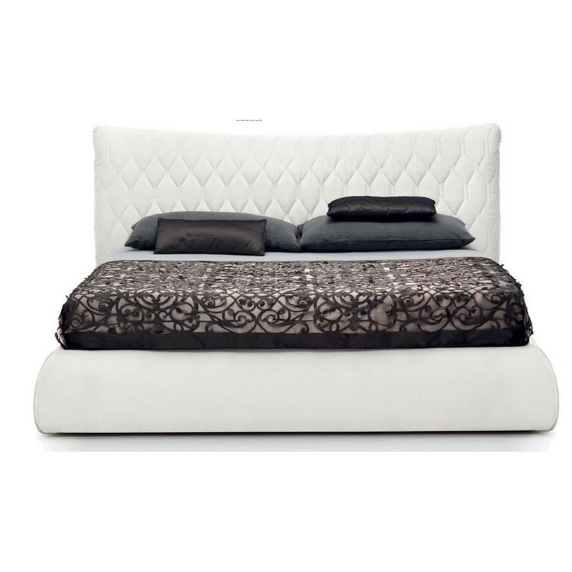 Кровать BOTEROКровати с балдахином<br>Широкая двуспальная кровать с высоким изголовьем, декорированным фигурной строчкой.&amp;lt;div&amp;gt;&amp;lt;br&amp;gt;&amp;lt;/div&amp;gt;&amp;lt;div&amp;gt;Размер спального места: 180х200 см.&amp;lt;br&amp;gt;&amp;lt;/div&amp;gt;<br><br>Material: Текстиль<br>Length см: None<br>Width см: 213<br>Depth см: 233<br>Height см: 102