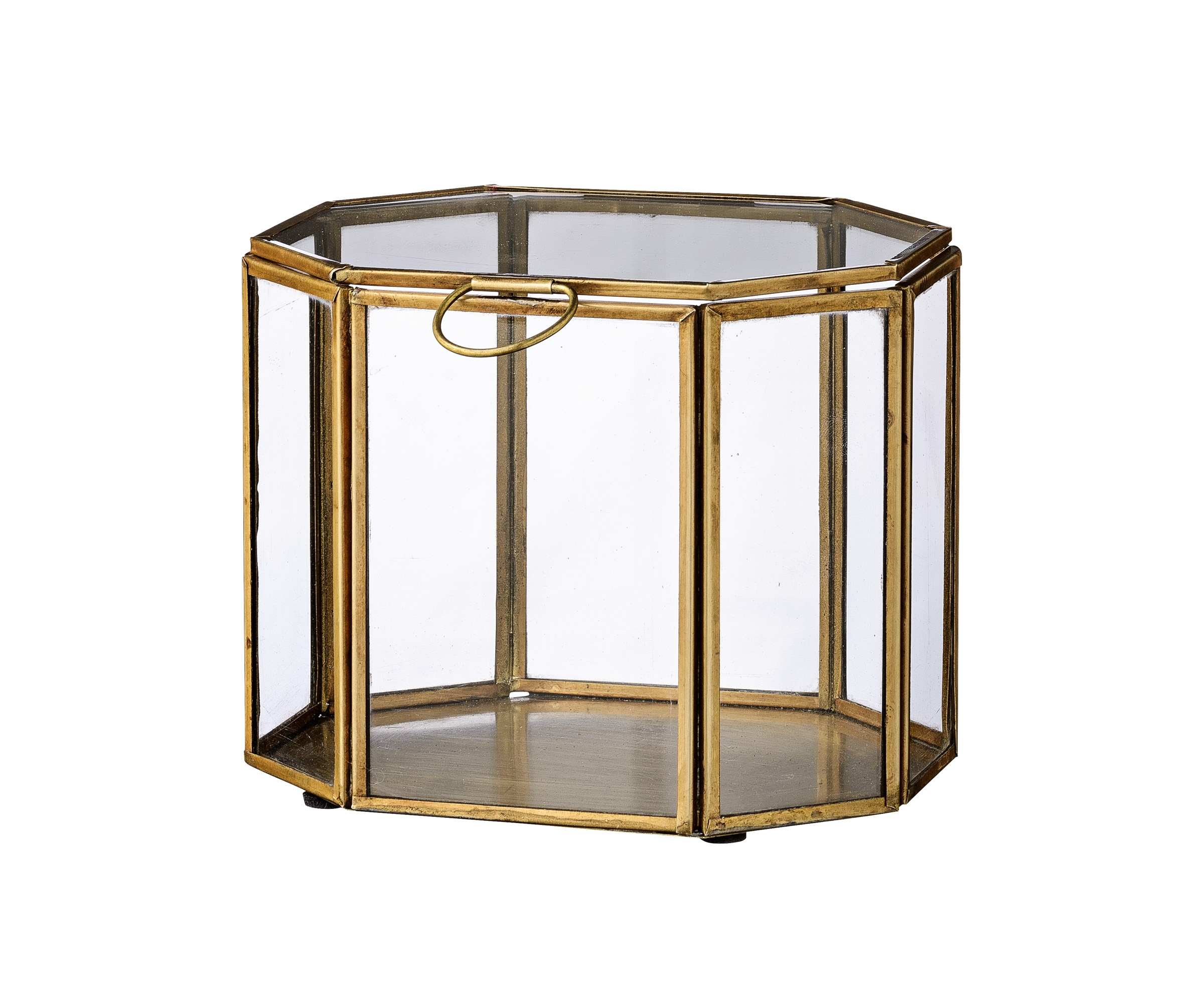 Шкатулка GoldШкатулки<br>Украсьте свой интерьер этой оригинальной шкатулкой. Стеклянные стенки элегантно обрамлены латунью, чтобы создать шикарный стиль. Идеальна как самостоятельный объект, так и для хранения внутри различных украшений, шкатулка станет прекрасным дополнением в любой комнате вашего дома.<br><br>Material: Латунь<br>Ширина см: 15<br>Высота см: 12<br>Глубина см: 12
