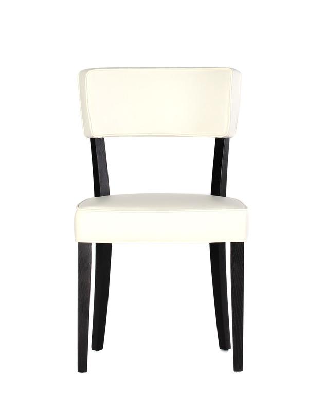 Стул DINING CHAIRОбеденные стулья<br>Удобный стул для кухни или столовой. Сиденье и спинка обтянуты кожей.<br>3 варианта цвета:<br>MC1010/DM3007<br>MC1010/DM3013<br>MC1010/DM3018<br><br>Material: Кожа<br>Length см: None<br>Width см: 51<br>Depth см: 52<br>Height см: 88