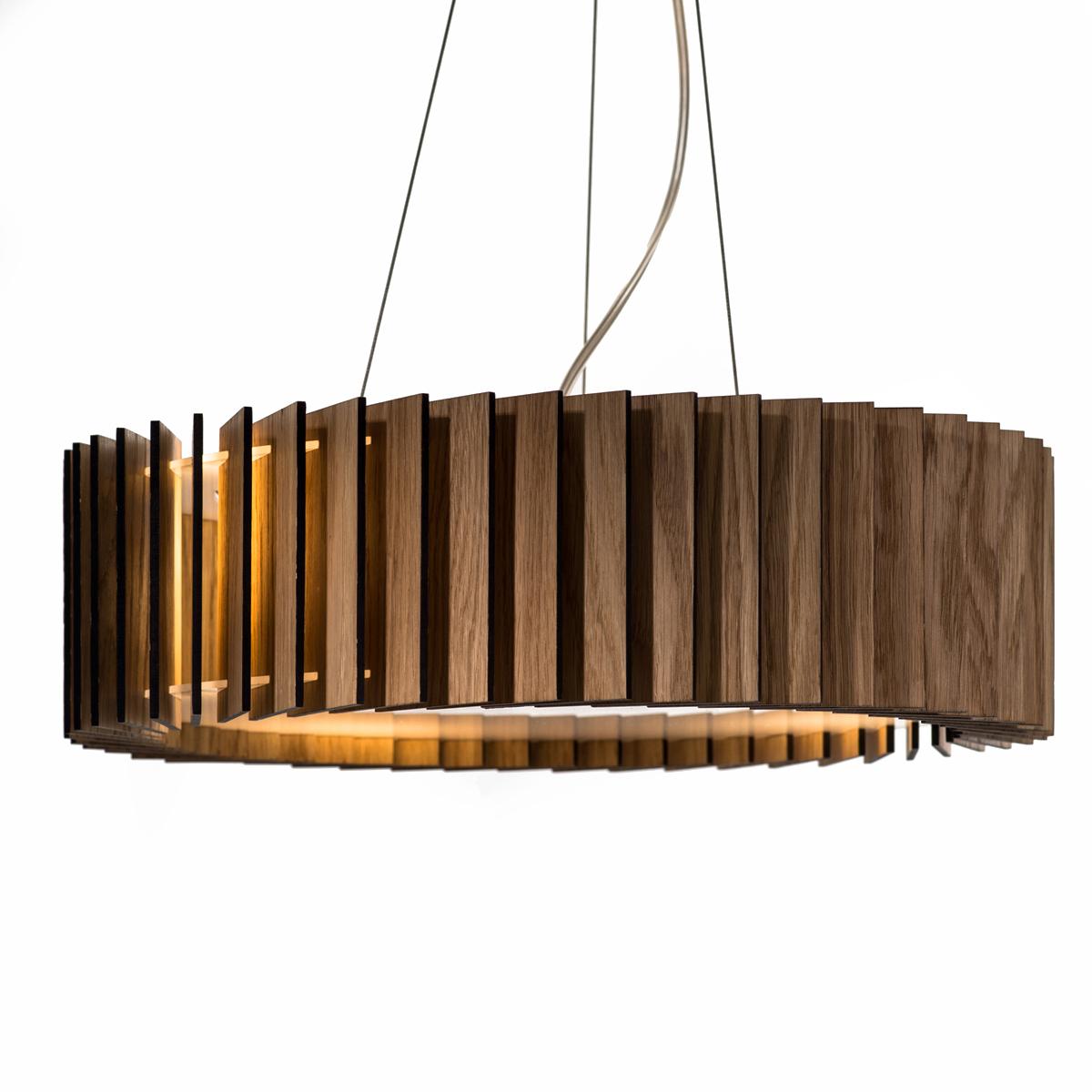 Люстра РоторПодвесные светильники<br>Ротор представляют собой люстру, основание которой изготовлено из акрилового матового стекла, деревянные пластины выполнены из шпона дуба и покрыты защитными маслами и воском. Светильник оснащён 4 патронами для светодиодных лампочек, что обеспечит яркий поток света для всего помещения. Свет проходит через деревянные лопасти, направленные под углом, и рождает впечатляющие узоры на стенах. А когда светильник выключен, он становится элементом декора интерьера.&amp;amp;nbsp;&amp;lt;div&amp;gt;&amp;lt;br&amp;gt;&amp;lt;/div&amp;gt;&amp;lt;div&amp;gt;&amp;lt;div&amp;gt;Тип цоколя: E27&amp;lt;/div&amp;gt;&amp;lt;div&amp;gt;Мощность: 9W&amp;lt;/div&amp;gt;&amp;lt;div&amp;gt;Кол-во ламп: 1 (нет в комплекте)&amp;lt;/div&amp;gt;&amp;lt;/div&amp;gt;<br><br>Material: Дерево