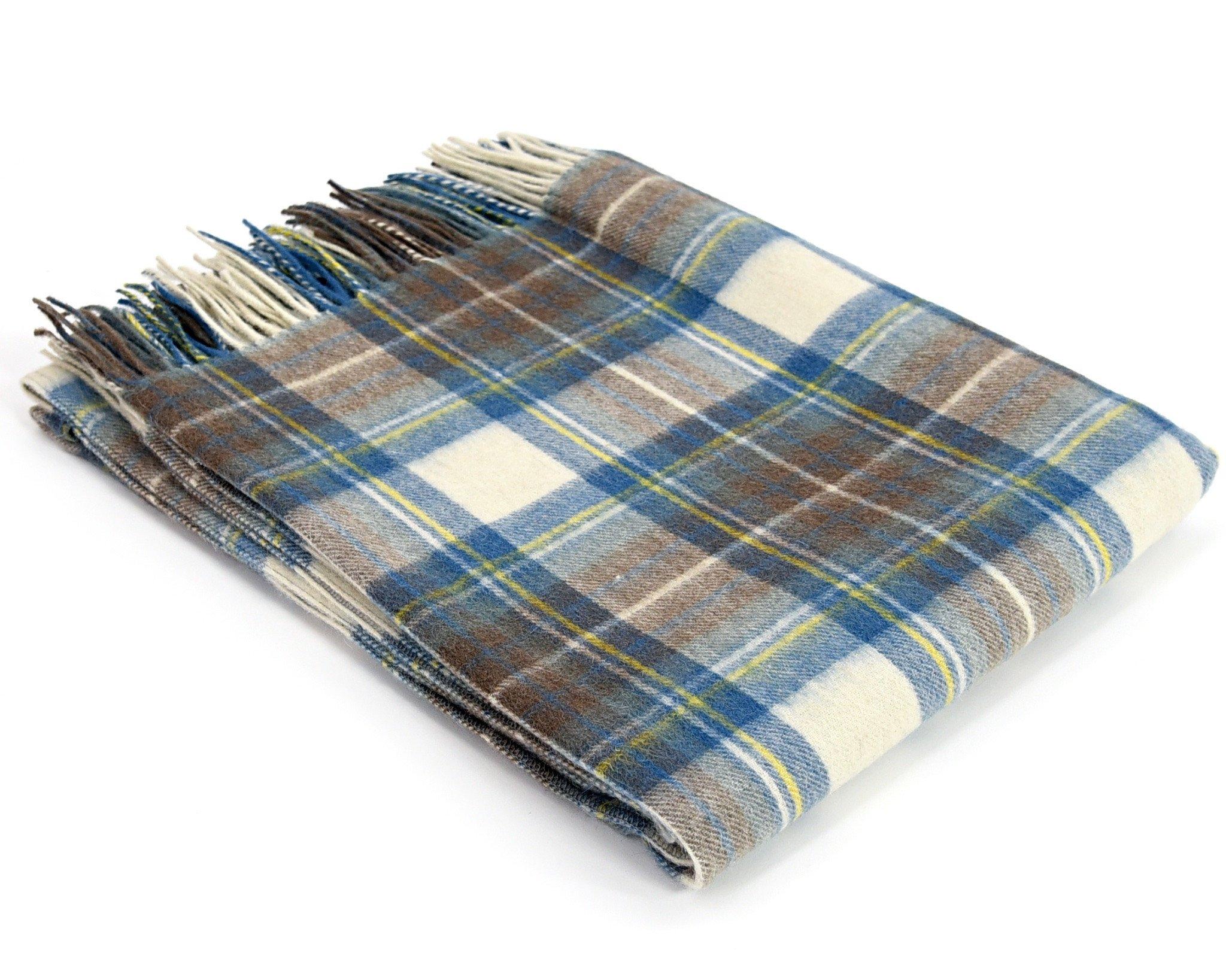 Плед Muted Blue Dress StewartШерстяные пледы<br>Традиционный плед в клетку из шерсти ягненка, размер 190х150см. Мягкий и невесомый, подарит ощущение тепла и гармонии или станет изысканным подарком!<br><br>Material: Шерсть<br>Ширина см: 190<br>Глубина см: 150