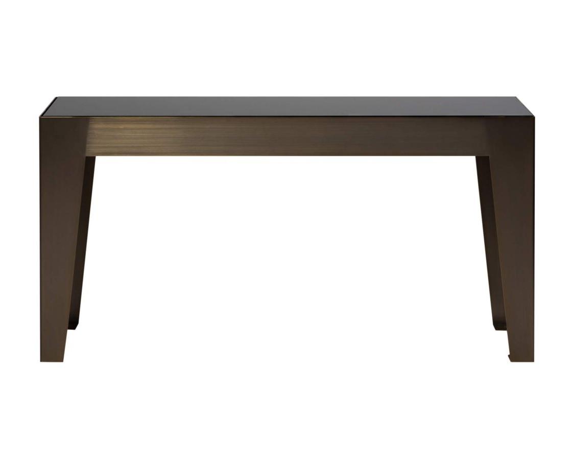 Стол журнальный HermesЖурнальные столики<br>Коллекция столов и столиков Hermes создана, чтобы воплотить самые смелые идеи в оформлении Вашего дома. Сияющие массивные ножки, поддерживающие стеклянную столешницу, «изрезанную» мраморными прожилками, великолепно смотрятся в любой форме и размере. Узкий длинный или высокий квадратный постаменты для декора,  низкий  журнальный или квадратный кофейный столы – любая из этих роскошных деталей добавит в ваш интерьер шика и создаст неповторимый стиль.<br><br>Material: Металл<br>Ширина см: 100<br>Высота см: 50<br>Глубина см: 30