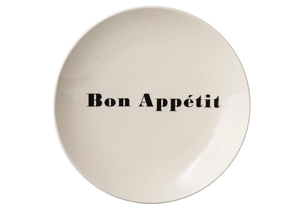 Тарелка Bon appetitТарелки<br>Тарелка из керамики с оригинальной надписью от датских дизайнеров добавит настроения на вашей кухне и придется по вкусу для любителей современного или скандинавского стиля в интерьере.<br><br>Material: Керамика