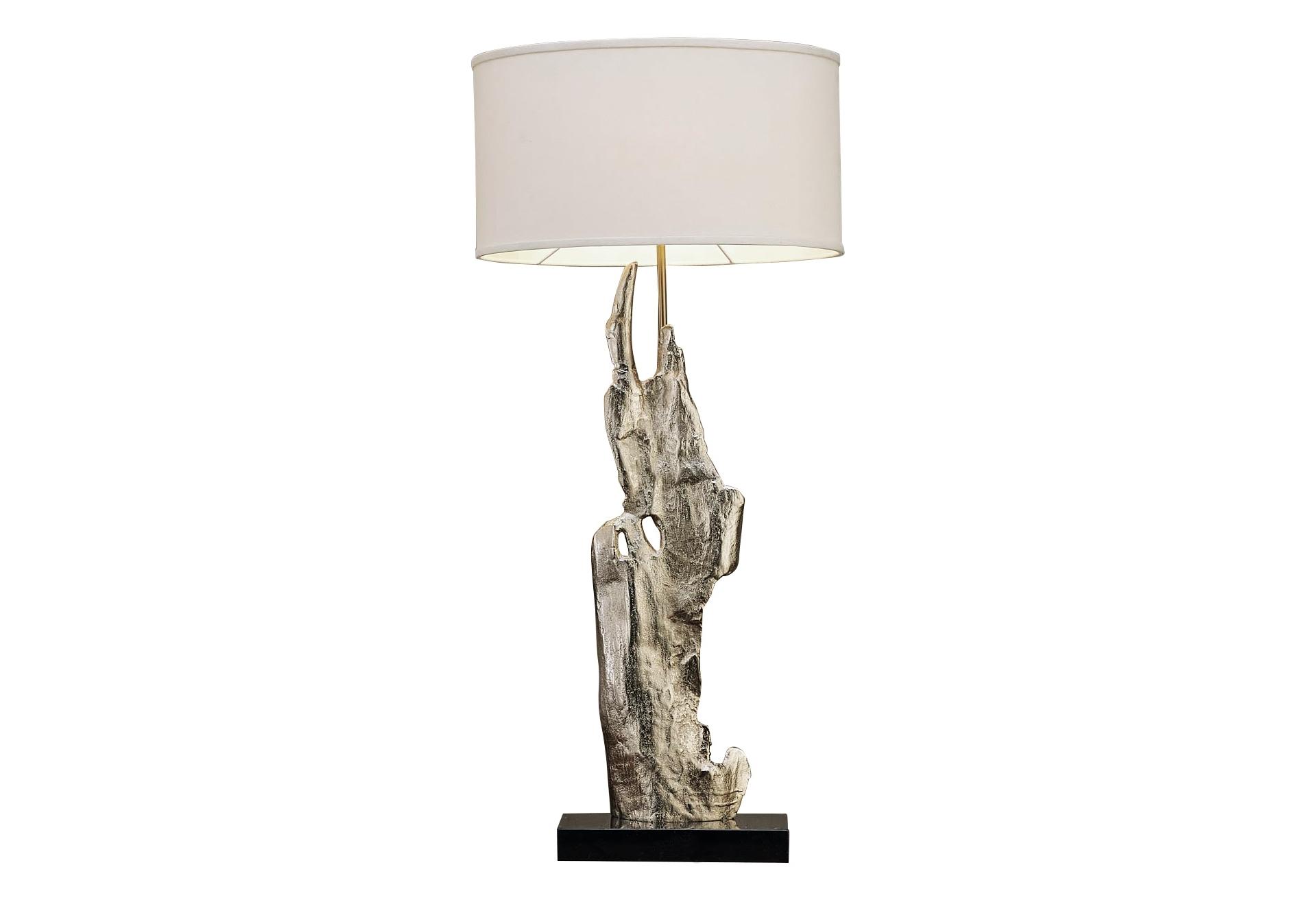 Светильник настольный MarsalaДекоративные лампы<br>&amp;lt;div&amp;gt;Настольная лампа серебристого цвета, с тканевым абажуром молочного цвета и на подставке из натурального мрамора. В любом интерьере она будет стильным элементом декора.&amp;lt;/div&amp;gt;&amp;lt;div&amp;gt;&amp;lt;br&amp;gt;&amp;lt;/div&amp;gt;&amp;lt;div&amp;gt;Вид цоколя: E27&amp;lt;/div&amp;gt;&amp;lt;div&amp;gt;Мощность: 60W&amp;lt;/div&amp;gt;&amp;lt;div&amp;gt;Количество ламп: 1 (нет в комплекте)&amp;lt;/div&amp;gt;&amp;lt;div&amp;gt;Материал: цинковый сплав&amp;lt;br&amp;gt;&amp;lt;/div&amp;gt;<br><br>Material: Металл<br>Ширина см: 43<br>Высота см: 12<br>Глубина см: 48