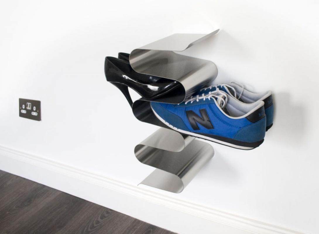 Полка для обуви настенная NestПолки<br>Действительно удобный и стильный способ хранения обуви. Лучший вариант не спотыкаться о кроссовки и туфли в прихожей. Плюс – обувь всегда перед глазами – не надо открывать двери, как у обычной обувки, вытаскивать все пары, чтобы определиться, какую выбрать.<br><br>Преимущества:<br>- подходит для женской, мужской и детской обуви<br>- прочно крепится на стену при помощи трех шурупов (в комплекте)<br>- можно увеличить в длину (закрепить несколько полок друг над другом)<br>- одна полка вмещает до 6 пар обуви<br><br>Material: Металл<br>Length см: None<br>Width см: 19<br>Depth см: 15<br>Height см: 40<br>Diameter см: None