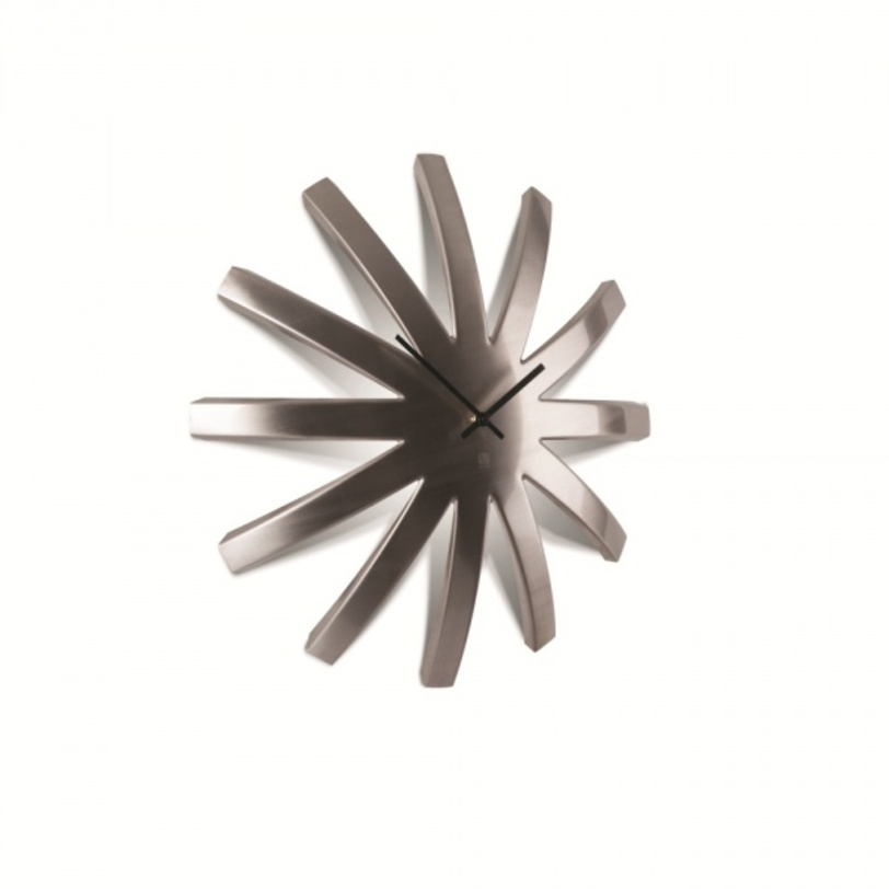 Часы металлические BurstНастенные часы<br><br><br>Material: Металл<br>Width см: 22.4<br>Depth см: 9.7<br>Height см: 47.5
