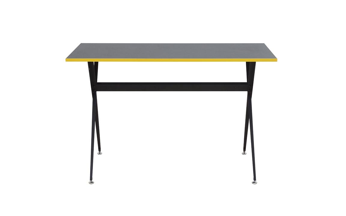 Стол TrumpПисьменные столы<br>&amp;lt;div&amp;gt;Материалы:&amp;lt;/div&amp;gt;&amp;lt;div&amp;gt;Основание: металл с порошковым покрытием.&amp;lt;/div&amp;gt;&amp;lt;div&amp;gt;Столешница: меламиновая панель 18 мм.&amp;lt;/div&amp;gt;<br><br>Material: Металл<br>Ширина см: 120.0<br>Высота см: 75<br>Глубина см: 60.0