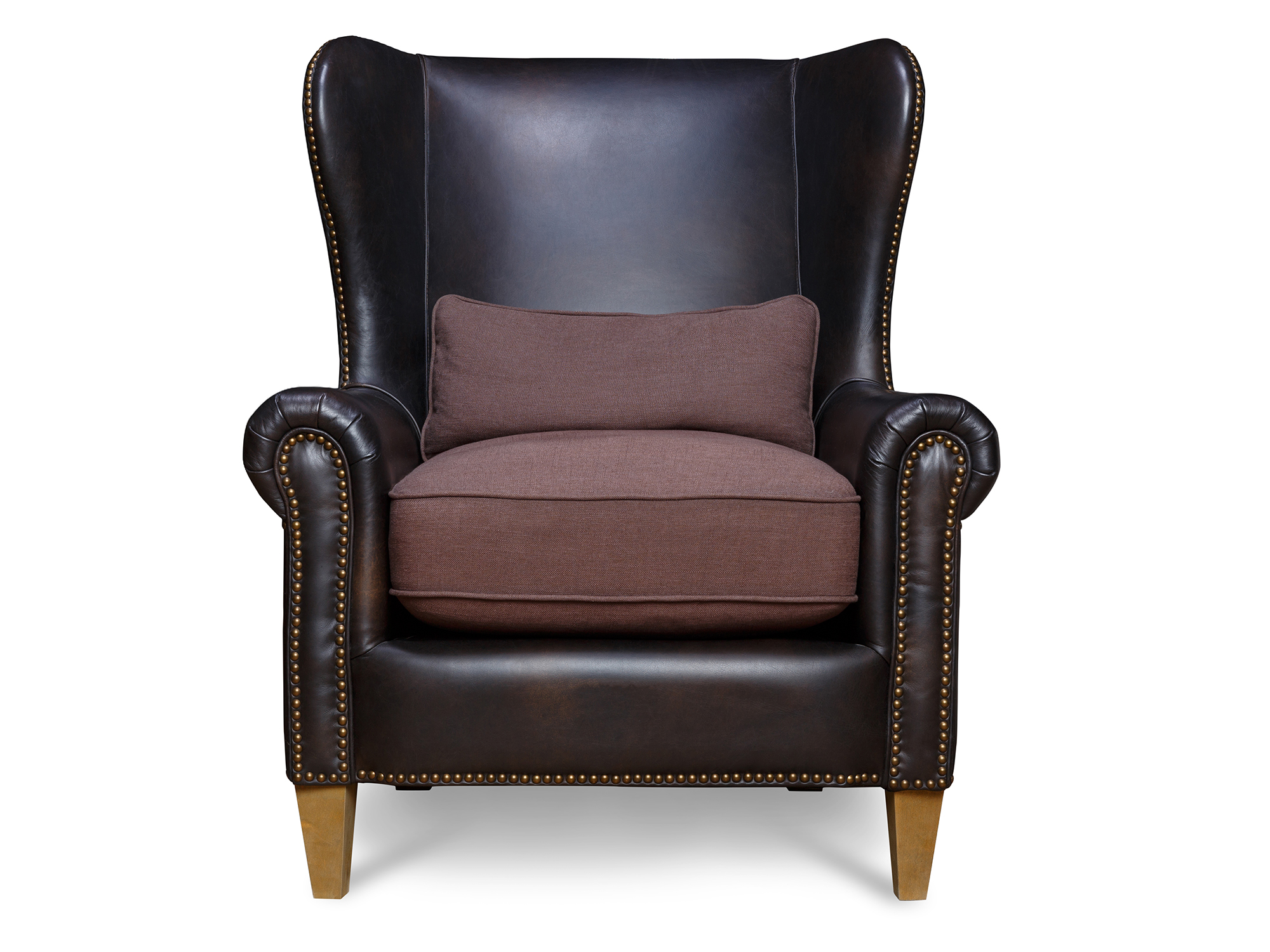 Кресло Malonne ArmchairКожаные кресла<br>Классическое каминное кресло &amp;quot;с ушами&amp;quot;. Обтянуто натуральной кожей, каркас выполнен из дерева – что можно придумать традиционнее? Подушки сиденья обиты тканью – даже летом на таком кресле будет приятно сидеть. Завершают образ гирлянды медных гвоздиков, окантовывающие кресло, придающие виду приятный акцент.<br><br>Material: Кожа<br>Ширина см: 94<br>Высота см: 109<br>Глубина см: 90