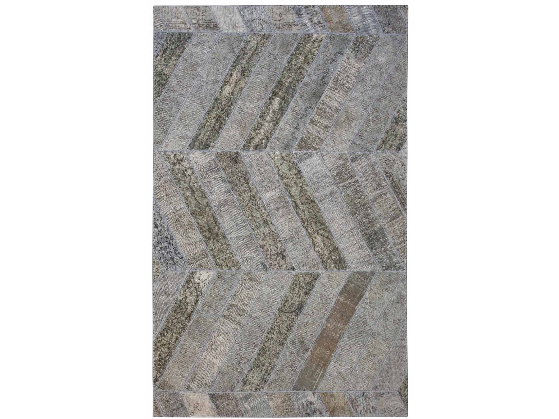 Ковер PatchworkПрямоугольные ковры<br>Винтажный ковер ручной работы в стиле &amp;quot;пэчворк&amp;quot; <br>из 100% шерсти. Ковер прекрасно подходит в <br>любые современные и классические интерьеры, <br>а благодаря тощине ковра всего 5 мм. и отсутствию <br>ворса, его легко чистить любыми видами пылесосов. <br>Этот настоящий ковер ручной работы не потеряет <br>своих красок и будет служить десятилетия. <br>В нашем ассортименте более 3000 ковров &amp;quot;пэчворк&amp;quot; <br>различных размеров и расцветок! Если не <br>нашли, тот ковер, который искали, обращайтесь <br>к нашим менеджерам, мы предоставим полный <br>каталог!&amp;lt;div&amp;gt;&amp;lt;br&amp;gt;&amp;lt;/div&amp;gt;&amp;lt;div&amp;gt;&amp;lt;br&amp;gt;&amp;lt;/div&amp;gt;<br><br>Material: Шерсть<br>Ширина см: 197.0<br>Глубина см: 321.0