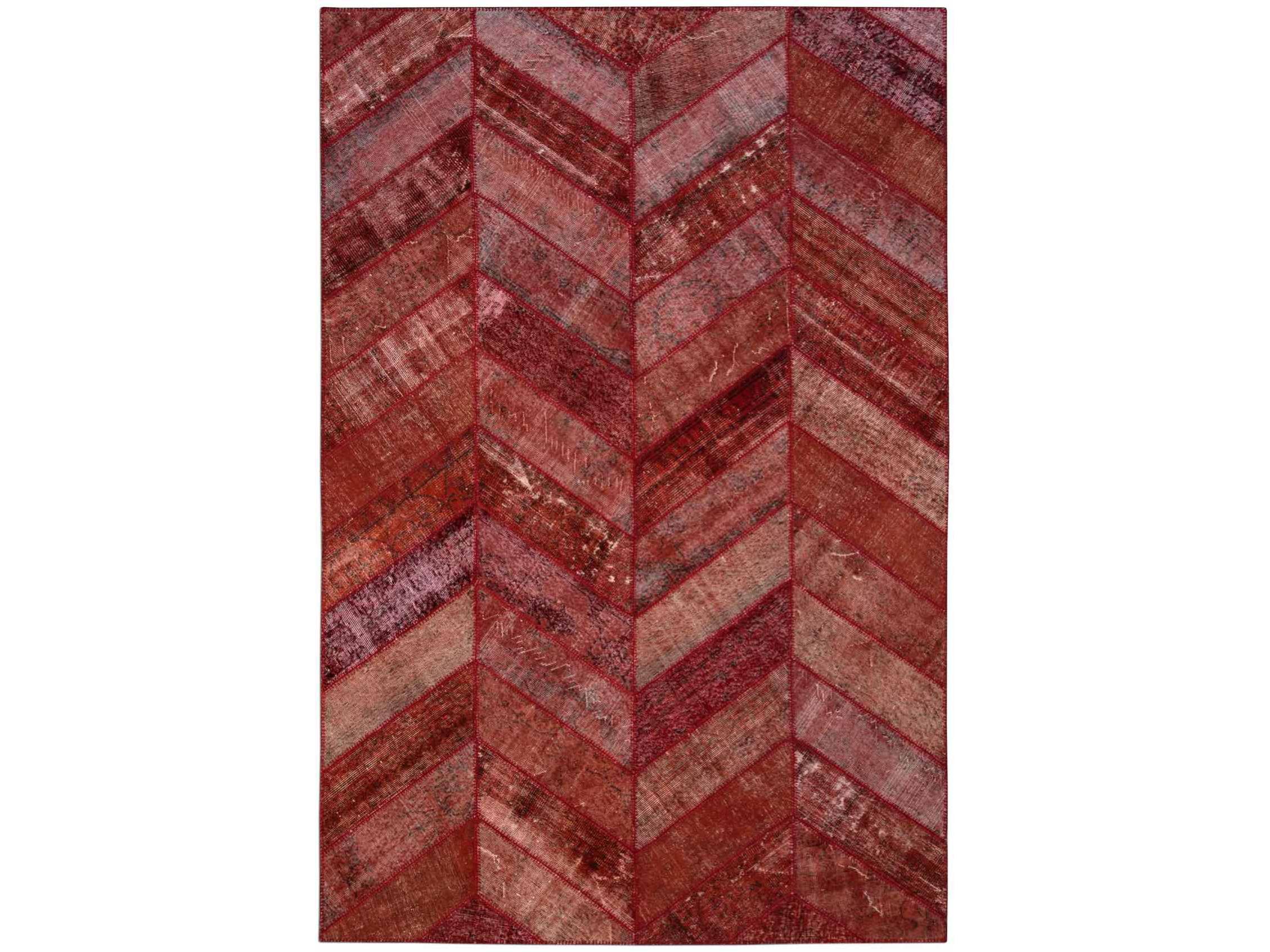 Ковер PatchworkПрямоугольные ковры<br>Винтажный ковер ручной работы в стиле &amp;quot;пэчворк&amp;quot; <br>из 100% шерсти. Ковер прекрасно подходит в <br>любые современные и классические интерьеры, <br>а благодаря тощине ковра всего 5 мм. и отсутствию <br>ворса, его легко чистить любыми видами пылесосов. <br>Этот настоящий ковер ручной работы не потеряет <br>своих красок и будет служить десятилетия. <br>В нашем ассортименте более 3000 ковров &amp;quot;пэчворк&amp;quot; <br>различных размеров и расцветок! Если не <br>нашли, тот ковер, который искали, обращайтесь <br>к нашим менеджерам, мы предоставим полный <br>каталог!<br><br>Material: Шерсть<br>Ширина см: 204<br>Глубина см: 306