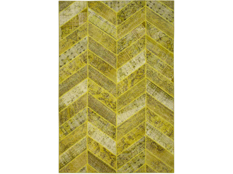 Ковер PatchworkПрямоугольные ковры<br>Винтажный ковер ручной работы в стиле &amp;quot;пэчворк&amp;quot; <br>из 100% шерсти. Ковер прекрасно подходит в <br>любые современные и классические интерьеры, <br>а благодаря тощине ковра всего 5 мм. и отсутствию <br>ворса, его легко чистить любыми видами пылесосов. <br>Этот настоящий ковер ручной работы не потеряет <br>своих красок и будет служить десятилетия. <br>В нашем ассортименте более 3000 ковров &amp;quot;пэчворк&amp;quot; <br>различных размеров и расцветок! Если не <br>нашли, тот ковер, который искали, обращайтесь <br>к нашим менеджерам, мы предоставим полный <br>каталог!<br><br>Material: Шерсть<br>Ширина см: 204.0<br>Глубина см: 306.0