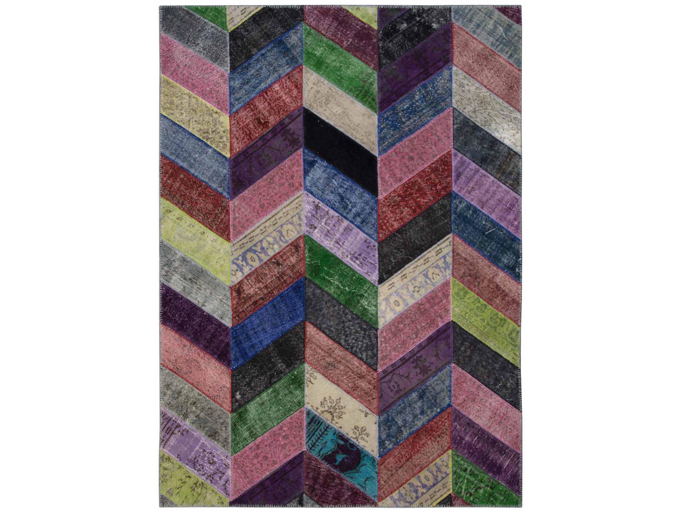 Ковер PatchworkПрямоугольные ковры<br>Винтажный ковер ручной работы в стиле &amp;quot;пэчворк&amp;quot; <br>из 100% шерсти. Ковер прекрасно подходит в <br>любые современные и классические интерьеры, <br>а благодаря тощине ковра всего 5 мм. и отсутствию <br>ворса, его легко чистить любыми видами пылесосов. <br>Этот настоящий ковер ручной работы не потеряет <br>своих красок и будет служить десятилетия. <br>В нашем ассортименте более 3000 ковров &amp;quot;пэчворк&amp;quot; <br>различных размеров и расцветок! Если не <br>нашли, тот ковер, который искали, обращайтесь <br>к нашим менеджерам, мы предоставим полный <br>каталог!<br><br>Material: Шерсть<br>Ширина см: 215.0<br>Глубина см: 301.0