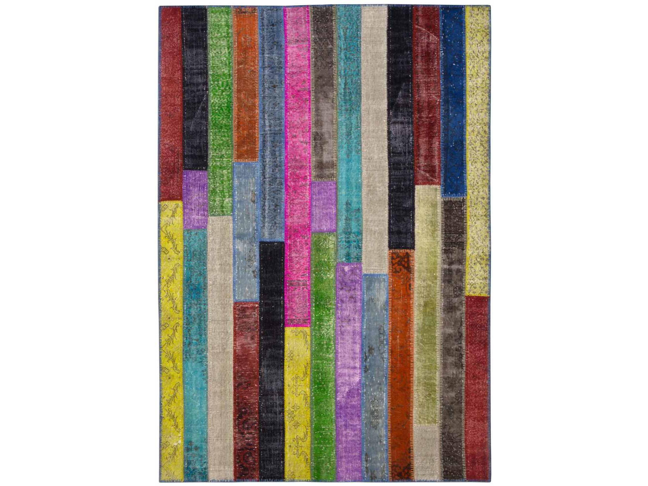 Ковер PatchworkПрямоугольные ковры<br>Винтажный ковер ручной работы в стиле &amp;quot;пэчворк&amp;quot; <br>из 100% шерсти. Ковер прекрасно подходит в <br>любые современные и классические интерьеры, <br>а благодаря тощине ковра всего 5 мм. и отсутствию <br>ворса, его легко чистить любыми видами пылесосов. <br>Этот настоящий ковер ручной работы не потеряет <br>своих красок и будет служить десятилетия.<br><br>Material: Шерсть<br>Ширина см: 208.0<br>Глубина см: 302.0
