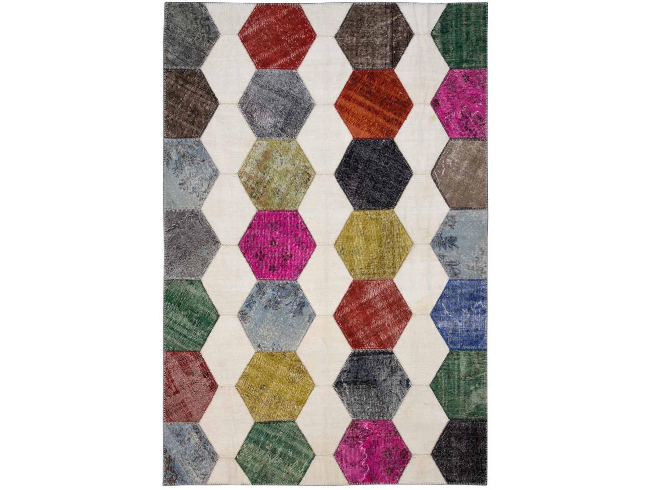 Ковер PatchworkПрямоугольные ковры<br>Винтажный ковер ручной работы в стиле &amp;quot;пэчворк&amp;quot; <br>из 100% шерсти. Ковер прекрасно подходит в <br>любые современные и классические интерьеры, <br>а благодаря тощине ковра всего 5 мм. и отсутствию <br>ворса, его легко чистить любыми видами пылесосов. <br>Этот настоящий ковер ручной работы не потеряет <br>своих красок и будет служить десятилетия. <br>В нашем ассортименте более 3000 ковров &amp;quot;пэчворк&amp;quot; <br>различных размеров и расцветок! Если не <br>нашли, тот ковер, который искали, обращайтесь <br>к нашим менеджерам, мы предоставим полный <br>каталог!<br><br>Material: Шерсть<br>Ширина см: 195.0<br>Глубина см: 288.0