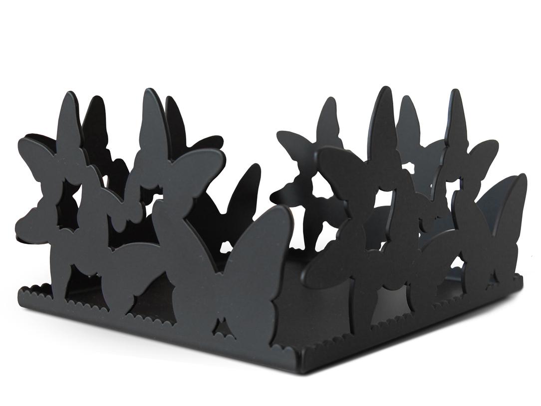 Салфетница ButterflyДругое<br>Декоративная салфетница BUTTERFLY - <br>это эксклюзивный предмет дизайна выполненный вручную. Такой элемент <br>декора станет отличительной деталью в интерьере кухни или спальни. Декоративная салфетница BUTTERFLY также идеально подходит для хранения <br>ювелирных изделий, косметики и других небольших предметов или может <br>быть использована в роли изящной конфетницы.<br>В сочетании с другими предметами из<br> коллекции, салфетница BUTTERFLY станет незабываемым подарком на день рождения, <br>новоселье или свадьбу!<br><br> Салфетница BUTTERFLY оснащена силиконовыми подушечками, <br>что позволит избежать поврежденй на поверхности мебели или самого <br>предмета.<br><br>Material: Металл<br>Ширина см: 15.0<br>Высота см: 9.0<br>Глубина см: 15.0