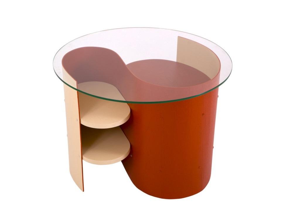 СтолЖурнальные столики<br>Реплика знаменитых образцов Геррита Ритвельда.&amp;lt;div&amp;gt;Мебель сделана по оригинальным чертежам, с соблюдением всех размеров.&amp;lt;/div&amp;gt;<br><br>Material: Стекло<br>Высота см: 50