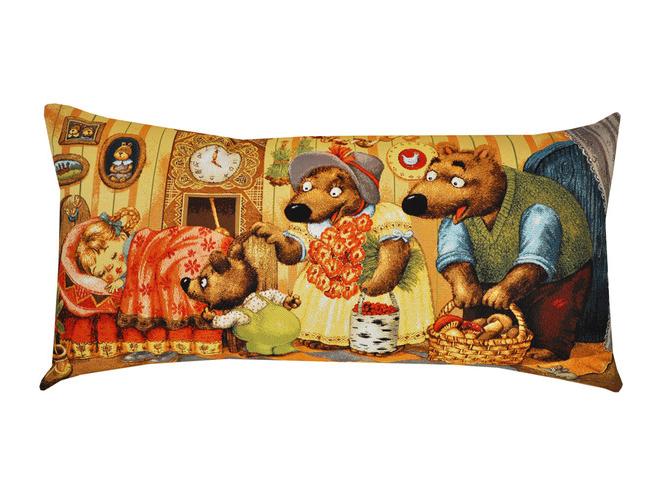 Подушка Маша и медведиПрямоугольные подушки и наволочки<br>Декоративная подушка   со съемным чехлом на молнии из гобелена. Рекомендована бережная ручная стирка.<br><br>Material: Хлопок<br>Ширина см: 70.0<br>Глубина см: 35.0