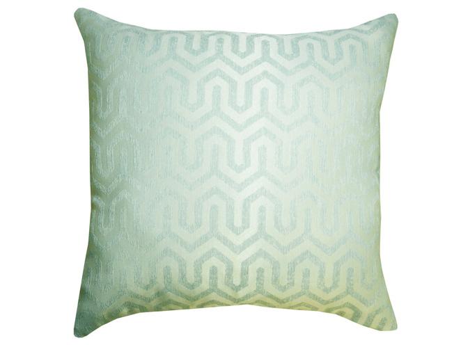 Подушка Трио бирюзаКвадратные подушки и наволочки<br>Декоративная  подушка со съемным чехлом на молнии из жаккарда геометрический дизайн. Рекомендована бережная ручная стирка.&amp;lt;div&amp;gt;&amp;lt;br&amp;gt;&amp;lt;/div&amp;gt;&amp;lt;div&amp;gt;Материал: Вискоза&amp;lt;br&amp;gt;&amp;lt;/div&amp;gt;<br><br>Material: Текстиль<br>Ширина см: 45<br>Глубина см: 45