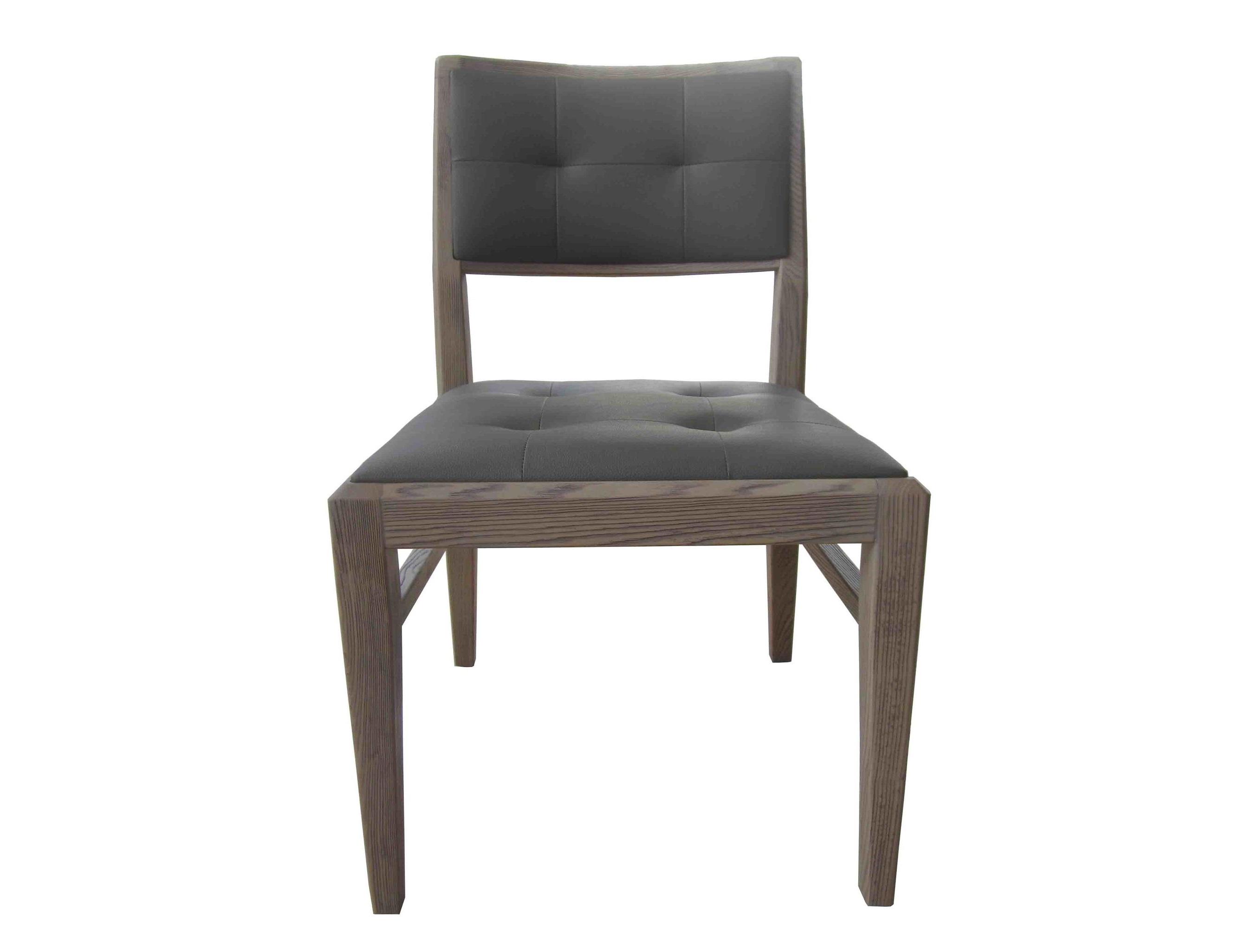 Стул Lago MaggioreОбеденные стулья<br>В его формах видна строгость классики, простота минимализма, новизна модерна. Он хорошо впишется в интерьер гостиной, столовой или кухни. Мягкое удобное сиденье позволяет стильному стулу оставаться комфортным.&amp;nbsp;Материалы: МДФ, шпон, кожа<br><br>kit: None<br>gender: None