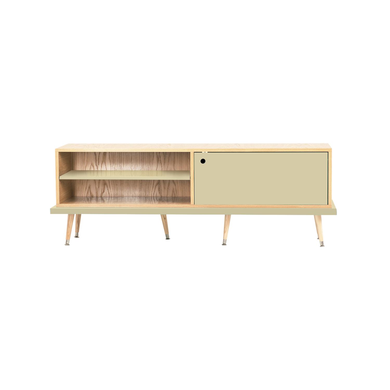 Тумба для мультимедиа TiwiТумбы под TV<br>Тумба под телевизор TiWi отражает общую концепцию мебели Woodi Furniture: функциональность, качество, современный дизайн и имеет достаточно традиционную форму для мебели в стиле mid-century modern. Тумба TiWi имеет две полки для открытой системы хранения и две полки за дверцей, для закрытой системы хранения. Корпус тумбы под телевизор изготовлен из МДФ и покрыт натуральным дубовым шпоном. Открытая полка и дверца окрашены в различные цвета из палитры Woodi Furniture. Тумба под телевизор TiWi опирается на шесть ножек конической формы, которые изготовлены из массива бука. Нижняя часть ножек украшена металлическими наконечниками стального цвета. По запросу, возможно изготовление технического отверстия для проводов.Материал: Корпус - МДФ, лакированный дубовый шпон, краска; ножки – массив бука, лак.<br><br>kit: None<br>gender: None