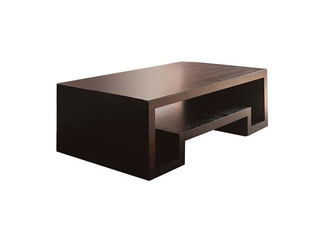 Кофейный столик High WindКофейные столики<br>Универсальный кофейный/журнальный столик. Стол изготовлен из натуральных, экологически чистых материалов и покрыт натуральным шпоном. Два варианта исполнения: венге и беленый дуб. Столик выполнен в современном стиле, идеально впишется в любой интерьер. Необычные дизайнерские решения, используемые при изготовлении предметов мебели данной коллекции, позволяют создать обстановку индивидуального и неповторимого стиля. Такой журнальный столик в любой гостиной находится на почетном месте.<br><br>Material: МДФ<br>Ширина см: 70<br>Высота см: 40