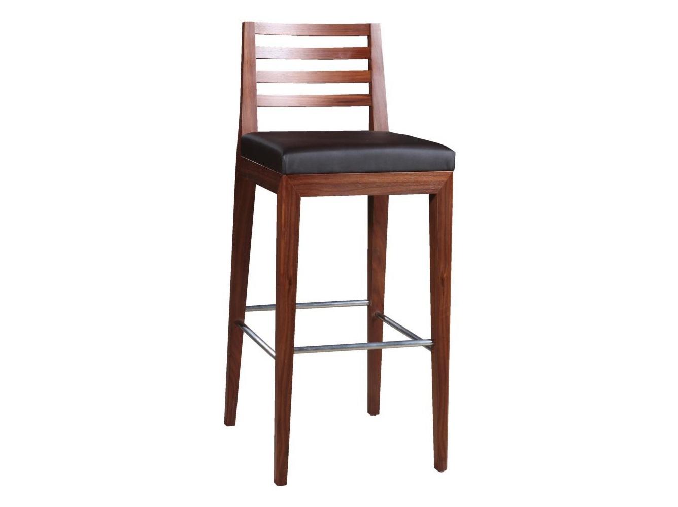 Стул барный MilanoБарные стулья<br>Cтильный и удобный барный стул с каркасом из цельного дерева совмещает в себе высокое качество материалов, дизайнерский стиль и эргономичность. Стул имеет два варианта исполнения каркаса – дуб под Venge (венге) и беленый дуб. Сиденье из современного износостойкого материала (экокожа) делает стул мягче и повышает функциональность.<br>Барные стулья Milano подходят для любых стилистических вариантов кухонной мебели, от классики до ар-деко. Отлично сочетаются с остальной мебелью коллекции Milano.<br><br>Material: Дерево<br>Ширина см: 41<br>Высота см: 103<br>Глубина см: 50