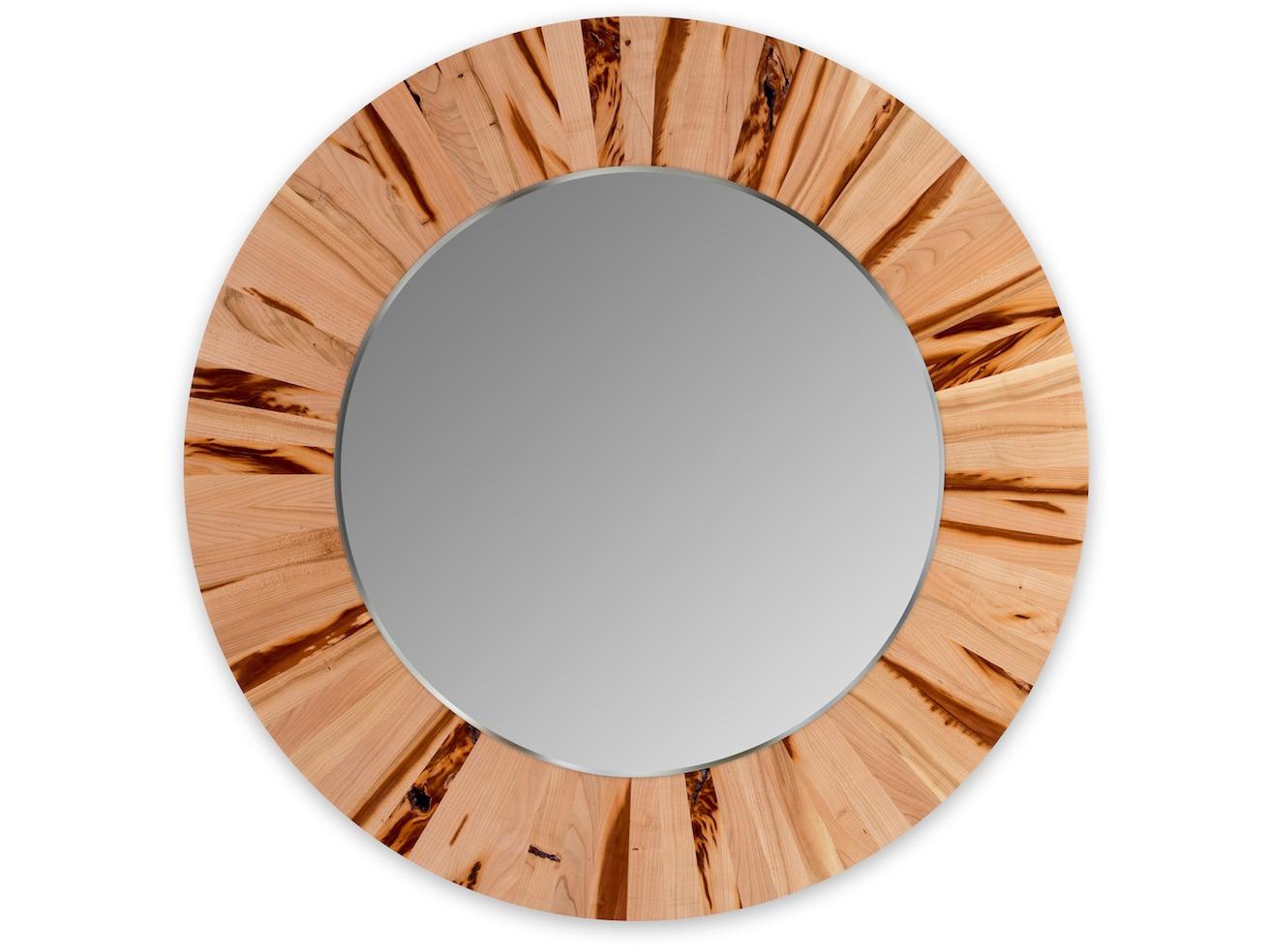 Круглое зеркало LESНастенные зеркала<br>Настенное, круглое зеркало LES не только украсит ваш интерьер, но и привнесёт в него частичку природы. Каждая оправа изготовлена вручную из 72 сегментов массива абрикоса. Неповторимый рисунок древесины и расположение сегментов, делает каждое зеркало уникальным и единственным в своём роде. Полотно зеркала имеет толщину 4мм и выполнено с фацетом. Оправа имеет естественный цвет абрикоса и обрабатывается натуральным, экологически-чистым маслом, что не вредит вашему здоровью и защищает оправу от внешних воздействий.<br>Сдержанность и лаконичность дизайна легко позволит вписать зеркало LES в любой интерьер.<br><br>Material: Дерево<br>Глубина см: 4