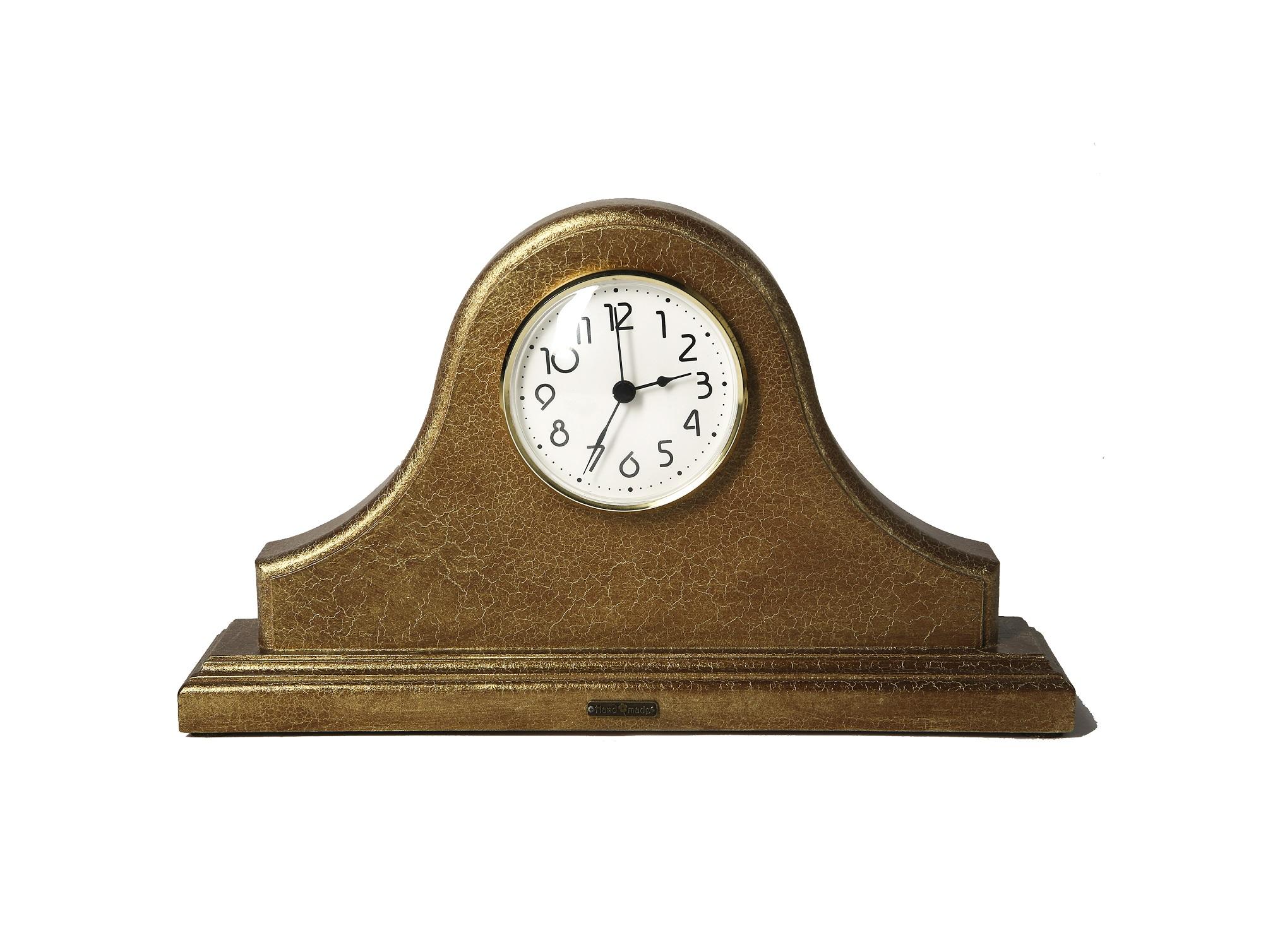 Часы настольныеНастольные часы<br><br><br>Material: МДФ<br>Ширина см: 31.5<br>Высота см: 18.0<br>Глубина см: 6.0