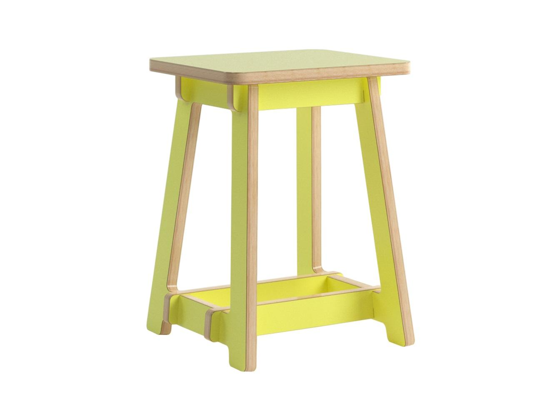 Табурет SubiratsТабуреты<br>Subirats - это серия сборно-разборной мебели, которая включает столы разных размеров, Tабуреты и cкамьи. Все модели легко собираются, долго служат, удобны в хранении и транспортировке. Эта серия отличается лаконичным «скандинавским» дизайном, непохожа на обычный столовый набор, выглядит легко и современно.&amp;amp;nbsp;&amp;lt;div&amp;gt;Цветовая гамма включает 19 различных оттенков. Вы можете выбрать один или скомбинировать несколько цветов.  Детали уточняйте у менеджеров клиентской службы.&amp;amp;nbsp;&amp;lt;/div&amp;gt;<br><br>Material: Фанера<br>Ширина см: 36<br>Высота см: 45<br>Глубина см: 30