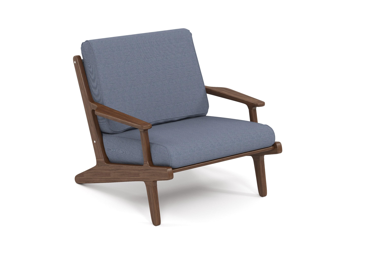 Кресло SeagullКресла для сада<br>&amp;lt;div&amp;gt;Коллекция SEAGULL – воплощение природной простоты и естественного совершенства. Мебель привлекает тёплыми тонами, уникальностью материала и идеальными пропорциями. Стеклянные столешницы обеденных и журнальных столов по цвету гармонируют с тканью подушек, удобные диваны и «утопающие» кресла дарят ощущения спокойствия и комфорта. Высота посадки:450мм.&amp;amp;nbsp;&amp;lt;/div&amp;gt;&amp;lt;div&amp;gt;&amp;lt;br&amp;gt;&amp;lt;/div&amp;gt;&amp;lt;div&amp;gt;Термоясень (ясень термообработанный) обладает высокими эксплуатационными характеристиками. Имеет ярко выраженную красивую текстуру и благородный аромат. Это исключительно долговечный, недеформируемый под воздействием атмосферных явлений и экологически чистый материал. В результате термообработки – длительного переменного воздействия пара и высоких температур – в структуре древесины происходят изменения на молекулярном уровне, и ясень приобретает наиболее важные для уличной мебели свойства – водостойкость, стабильность размеров, абсолютную устойчивость к биологическим поражениям. Срок службы – 10-15 лет.&amp;amp;nbsp;&amp;lt;/div&amp;gt;&amp;lt;div&amp;gt;&amp;lt;br&amp;gt;&amp;lt;/div&amp;gt;&amp;lt;div&amp;gt;Sunbrella® – акриловая ткань с водоотталкивающими свойствами от мирового лидера в производстве тканей для яхт. Ткани Sunbrella изготавливаются из окрашиваемого в растворе акрилового волокна. Обработка, препятствующая образованию пятен, защищает ткани Sunbrella, которые допускают машинную стирку и обеспечивают защиту от УФ-лучей. Акриловые волокна, окрашенные в массе – это гарантия исключительной стойкости цвета на протяжении всего срока эксплуатации ткани. Ткани Sunbrella «дышат», что не позволяет образовываться конденсату и препятствует появлению плесени и грибка. Не содержит перфтороктансульфонат. Наполнитель подушек и матрасов – вспененный полиуретан различной степени плотности и жесткости (ППУ), высокообъемный материал холлофайбер различной плотности. Д