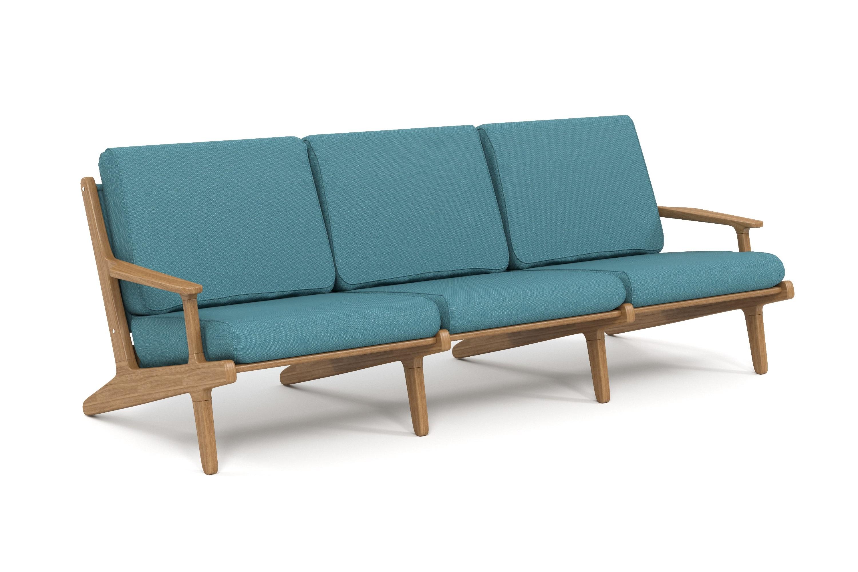 Диван SeagullДиваны и оттоманки для сада<br>Коллекция SEAGULL – воплощение природной простоты и естественного совершенства. Мебель привлекает тёплыми тонами, уникальностью материала и идеальными пропорциями. Стеклянные столешницы обеденных и журнальных столов по цвету гармонируют с тканью подушек, удобные диваны и «утопающие» кресла дарят ощущения спокойствия и комфорта.&amp;nbsp;Высота посадки:450мм.&amp;nbsp;Тик – прочная и твердая древесина, относится к ценным породам. Имеет темно-золотистый цвет и сохраняет его на протяжении очень длительного срока. Со временем приобретает благородный темно-серый или темно-коричневый цвет. Благодаря высокому содержанию природных масел, обладает высокой стойкостью против гниения, кислот и щелочей, не вызывает коррозию металлов. Тик содержит кислоты кремния и танина, придающие материалу стойкость к воздействию вредных внешних факторов. Древесина тика не подвержена воздействию термитов, не требует дополнительной антибактериальной обработки. Мебель из тика допускает круглогодичную эксплуатацию на открытом воздухе, выдерживает перепады температур от –30 до +30С. Срок службы более 25 лет.Sunbrella® – акриловая ткань с водоотталкивающими свойствами от мирового лидера в производстве тканей для яхт. Ткани Sunbrella изготавливаются из окрашиваемого в растворе акрилового волокна. Обработка, препятствующая образованию пятен, защищает ткани Sunbrella, которые допускают машинную стирку и обеспечивают защиту от УФ-лучей. Акриловые волокна, окрашенные в массе – это гарантия исключительной стойкости цвета на протяжении всего срока эксплуатации ткани. Ткани Sunbrella «дышат», что не позволяет образовываться конденсату и препятствует появлению плесени и грибка. Не содержит перфтороктансульфонат. Наполнитель подушек и матрасов – вспененный полиуретан различной степени плотности и жесткости (ППУ), высокообъемный материал холлофайбер различной плотности. Дышащая мембрана Batyline.&amp;nbsp;Вся фурнитура изготовлена из нержавеющей стали на собственном