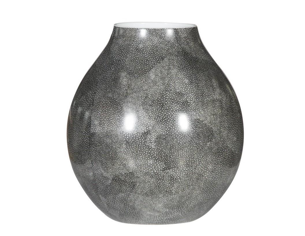 Ваза настольная AnacondaВазы<br>Потрясающая выделка керамики под натуральный камень делает эту коллекцию ваз невероятно стильной и аутентичной. На кухне, в столовой или спальне - Anaconda везде будет выглядеть дорогой дизайнерской вещью.<br><br>Material: Керамика<br>Высота см: 30.0