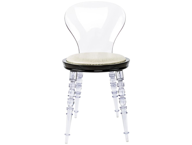 Стул Crystal Cobra прозрачныйОбеденные стулья<br>В обивке стула использована экокожа цвета слоновой кости с рельефным тиснением, имитирующим змеиную кожу кобры. Матовый лак обеспечивает благородный сдержанный блеск рельефа.&amp;amp;nbsp;&amp;lt;div&amp;gt;Ножки и спинка изготовлены из поликарбоната, выносливого и долговечного материала. Каркас сиденья изготовлен из полипропилена, легкого, но жесткого полимера.&amp;lt;br&amp;gt;&amp;lt;/div&amp;gt;<br><br>Material: Экокожа<br>Ширина см: 40.0<br>Высота см: 81.0<br>Глубина см: 40.0