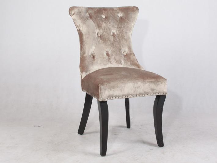 Стул MestreОбеденные стулья<br>Стул выполнен из массива Гевеи<br><br>Material: Велюр<br>Ширина см: 56.0<br>Высота см: 97.0<br>Глубина см: 65.0