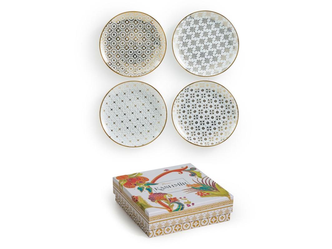 Набор тарелок (4 шт)Тарелки<br>Вдохновленная великолепием индийского искусства ручной вышивки, коллекция Kashmir игриво забирает титул самой элегантной модели сервировки. В основе серии — посуда из настоящего фарфора.  Каждый предмет коллекции упакован в свою фирменную коробку с отдельным дизайном, что еще сильнее подчеркивает особенность этой серии.<br><br>Material: Фарфор<br>Высота см: 3